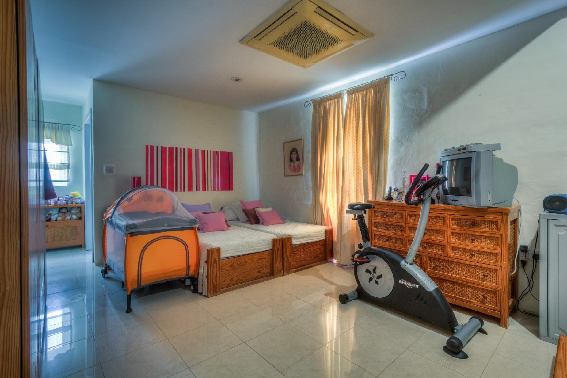 3 bed Town House For Rent in Sliema, Sliema - thumb 12