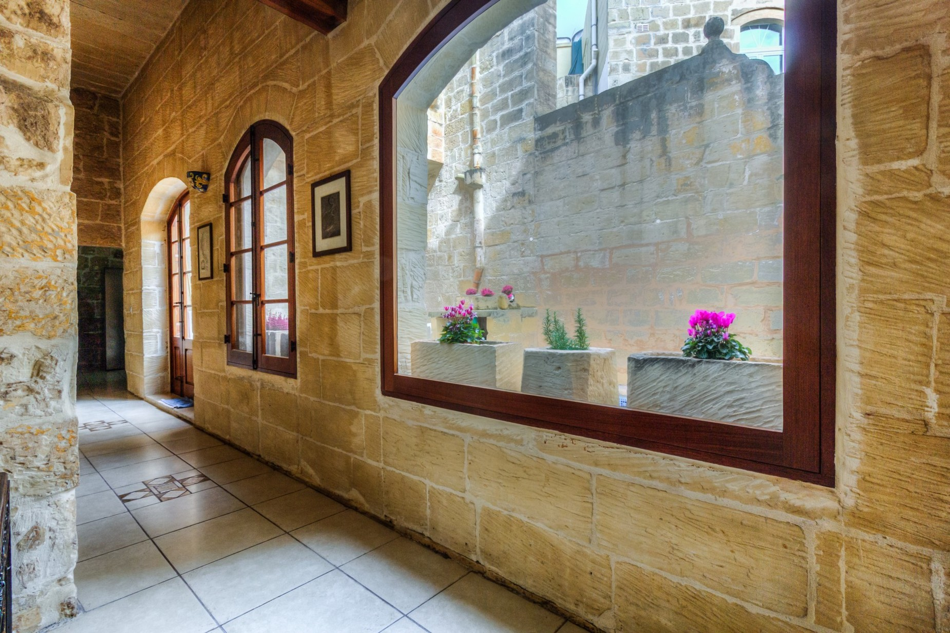 3 bed House of Character For Rent in Attard, Attard - thumb 4