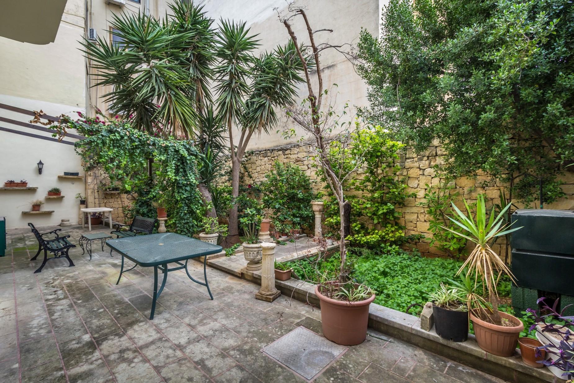 5 bed Villa For Rent in St Julian's, St Julian's - thumb 11