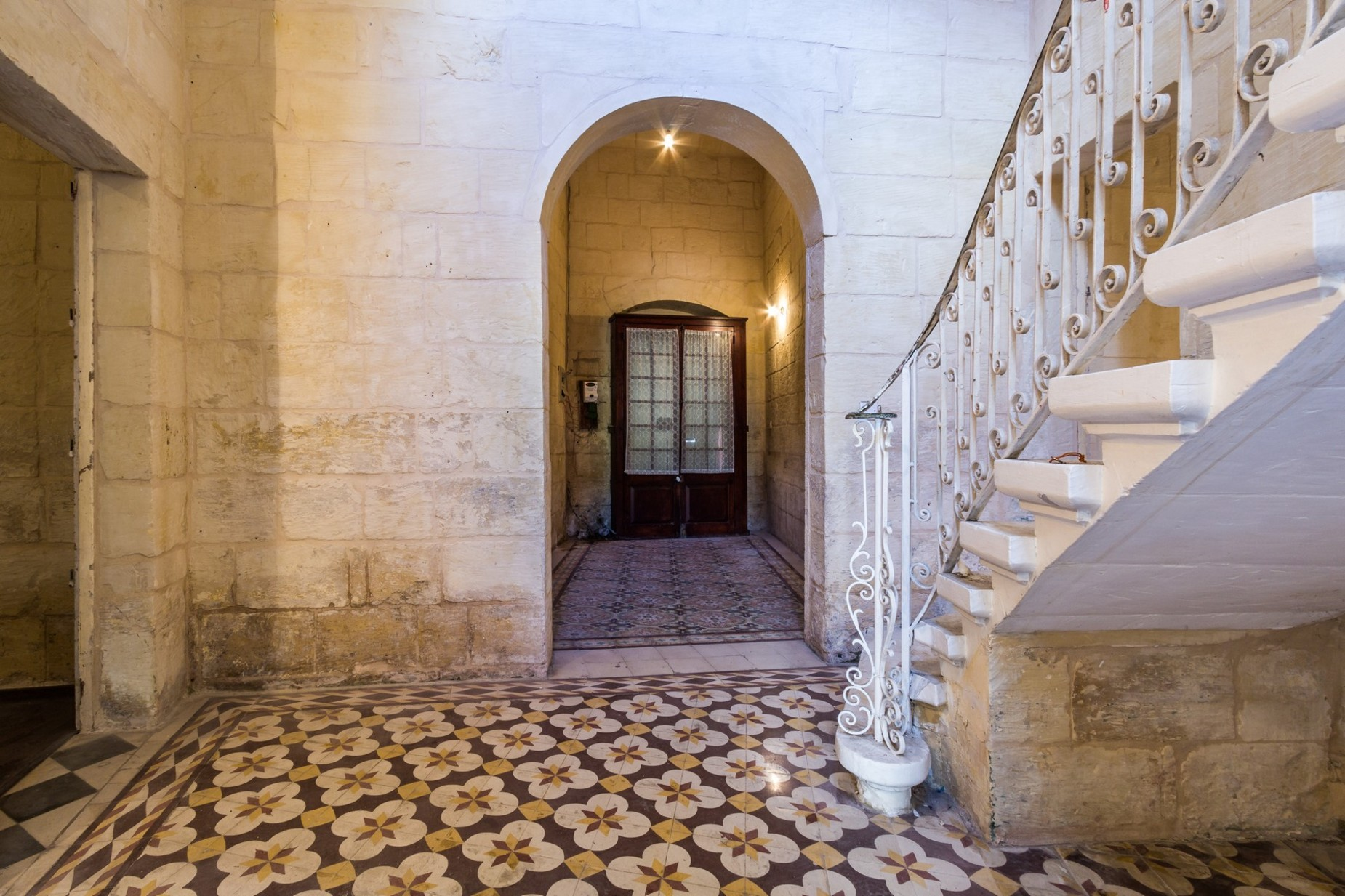 4 bed Palazzo For Sale in Attard, Attard - thumb 2
