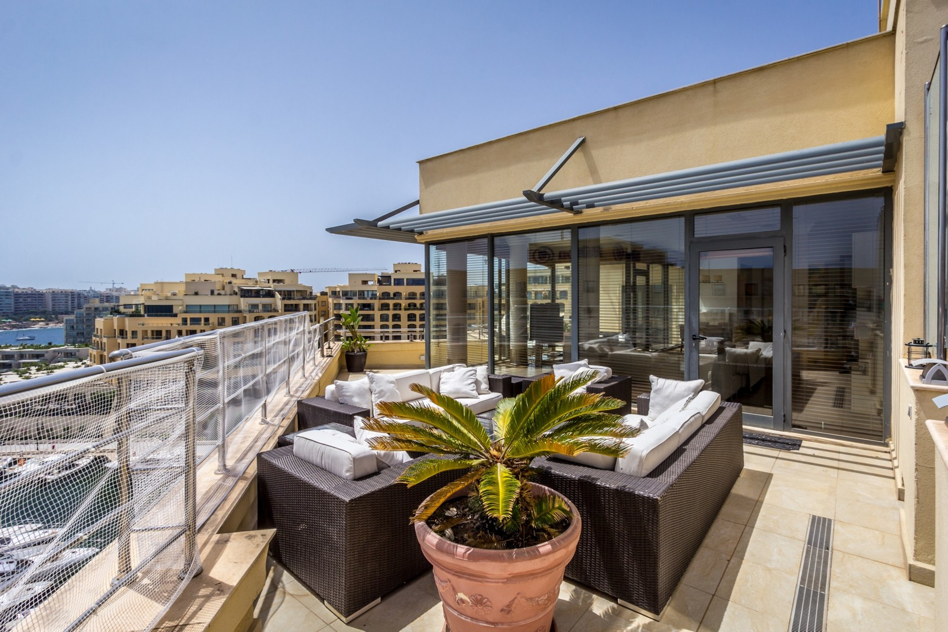 3 bed Penthouse For Rent in St Julian's, St Julian's - thumb 16