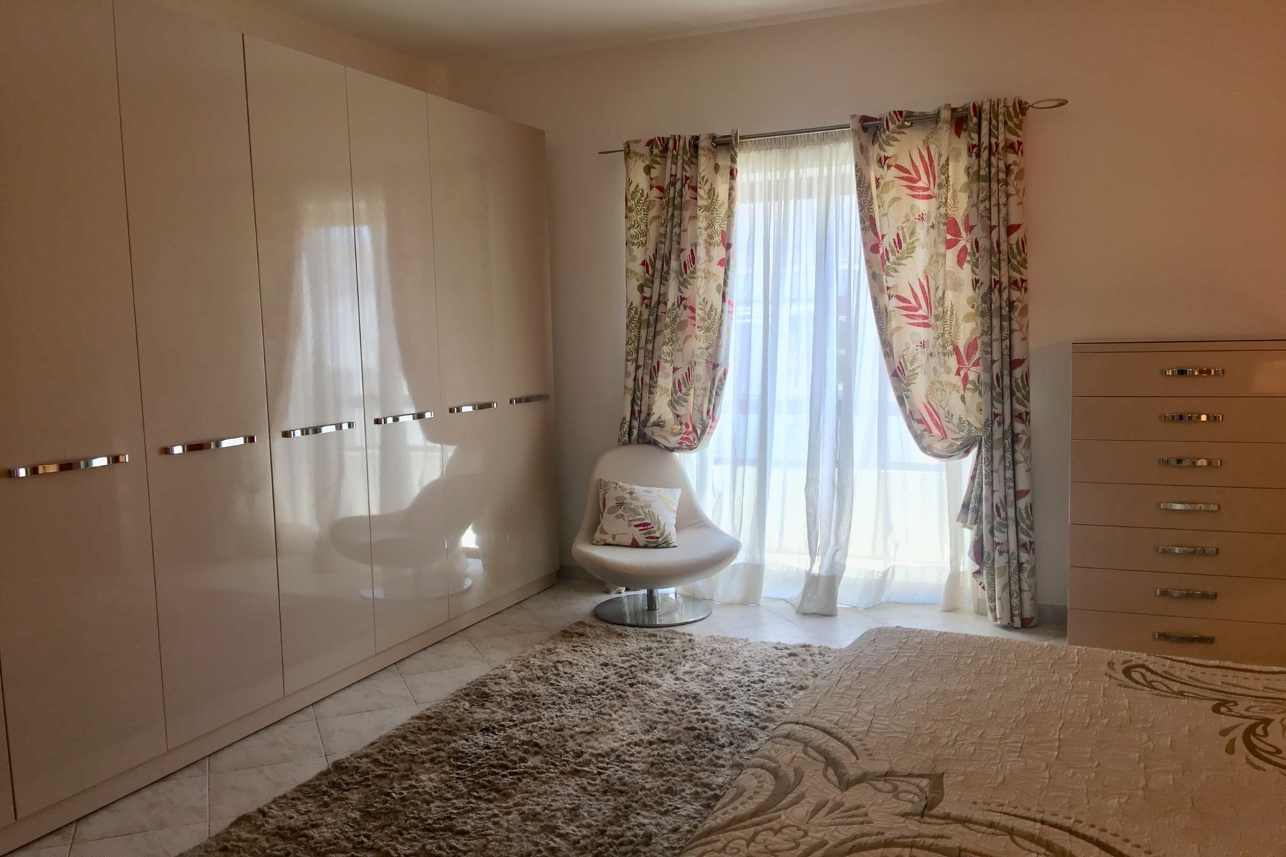 4 bed Apartment For Rent in Sliema, Sliema - thumb 7