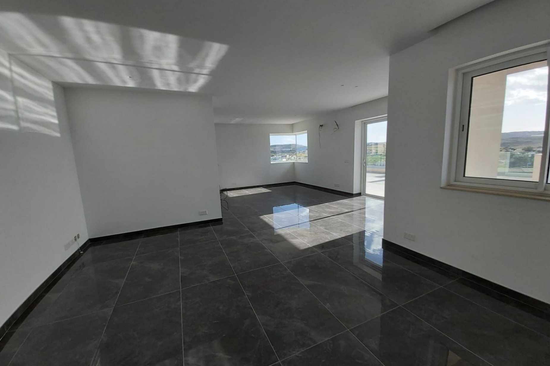 3 bed Penthouse For Sale in Qawra, Qawra - thumb 4