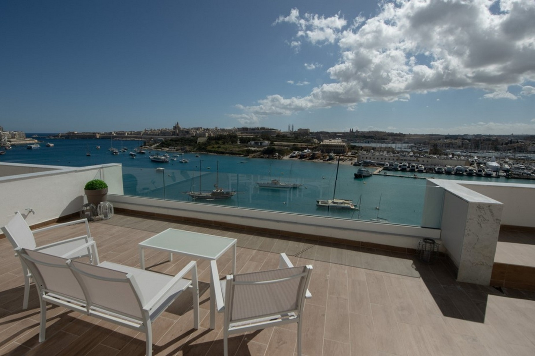 1 bed Penthouse For Rent in Sliema, Sliema - thumb 3