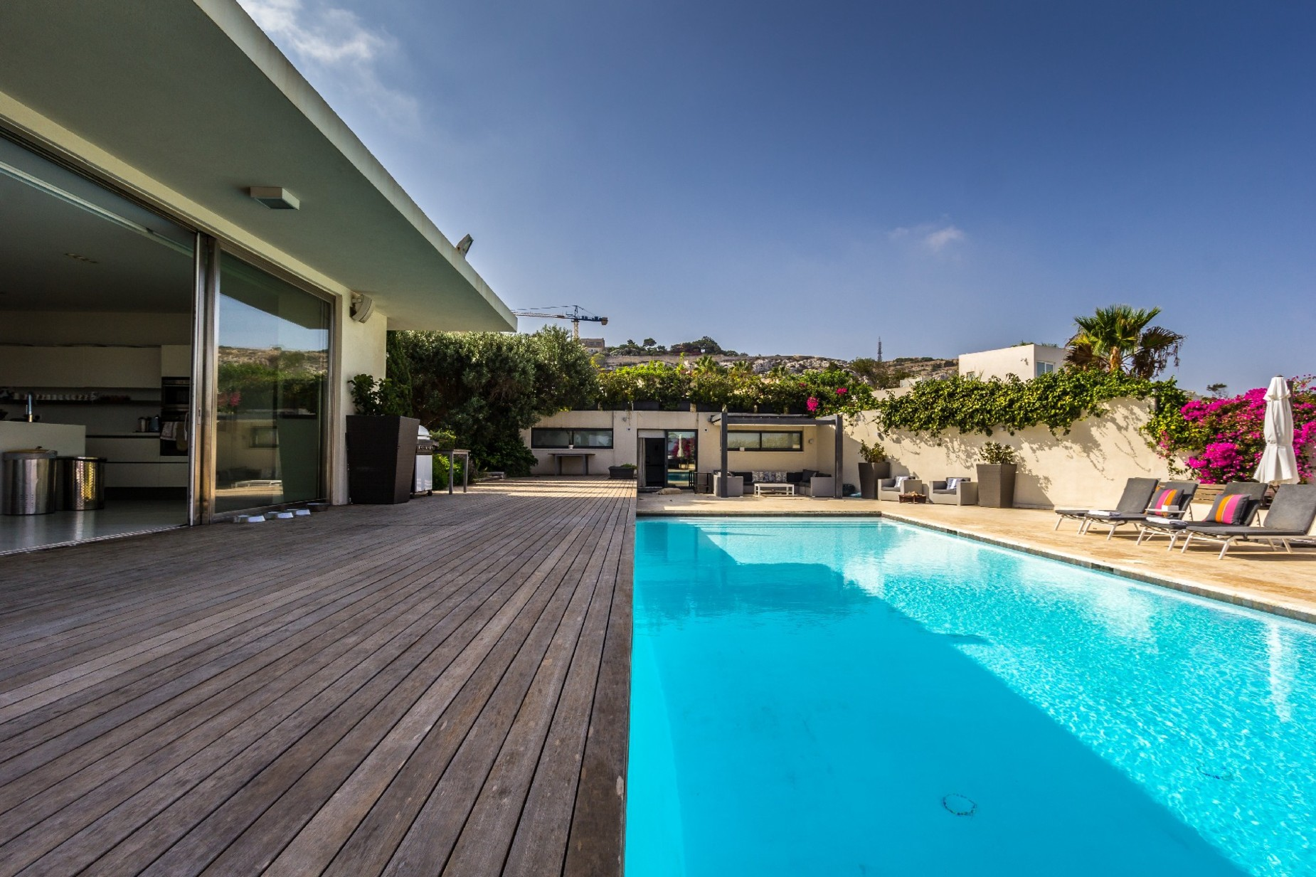 7 bed Villa For Sale in Bahar ic-Caghaq, Bahar ic-Caghaq - thumb 6