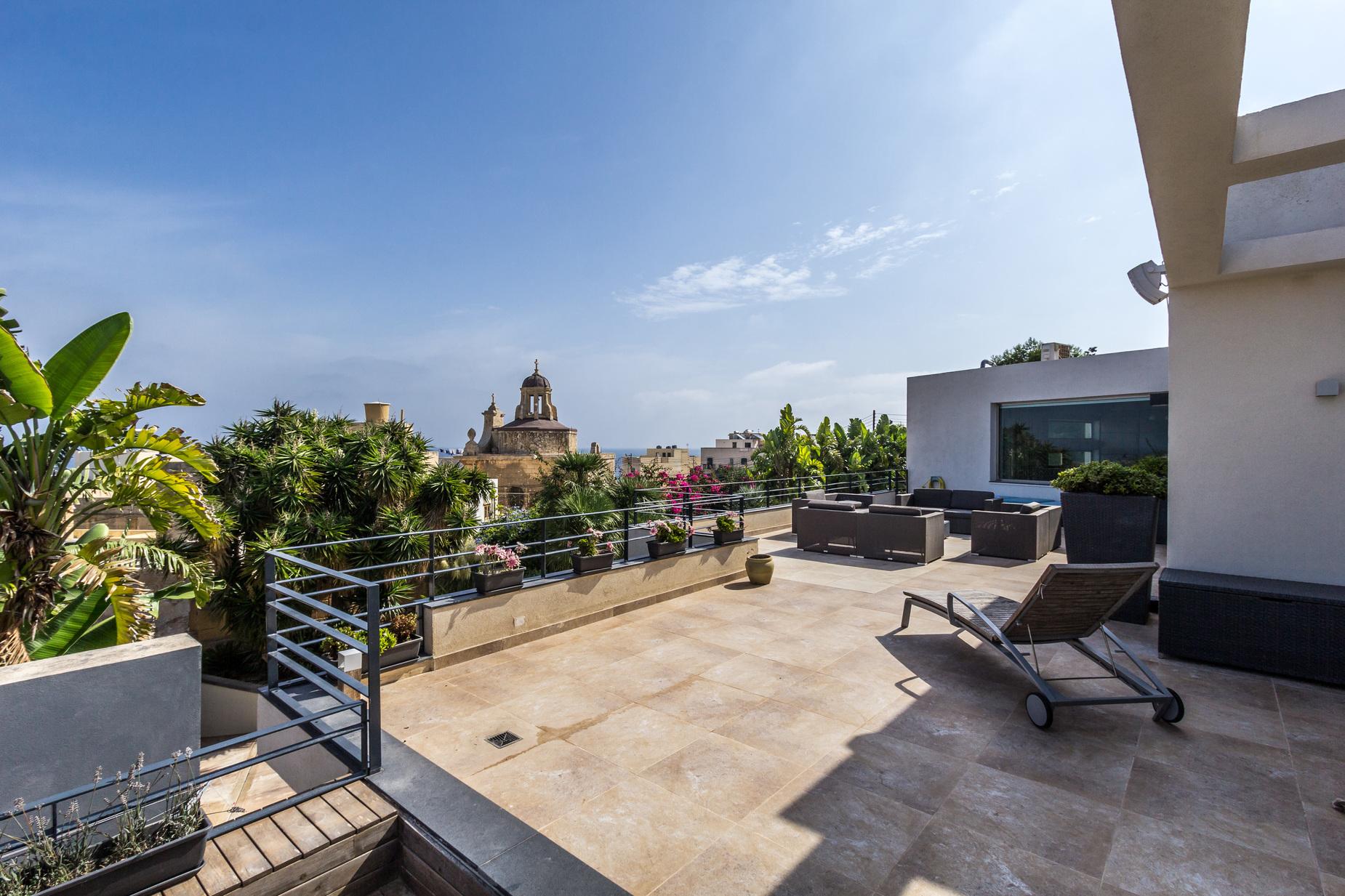 7 bed Villa For Sale in Bahar ic-Caghaq, Bahar ic-Caghaq - thumb 16