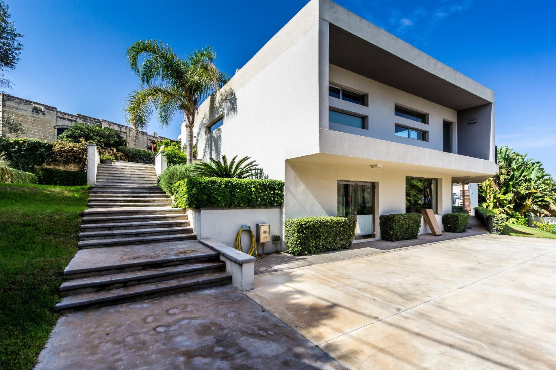 7 bed Villa For Sale in Bahar ic-Caghaq, Bahar ic-Caghaq - thumb 31