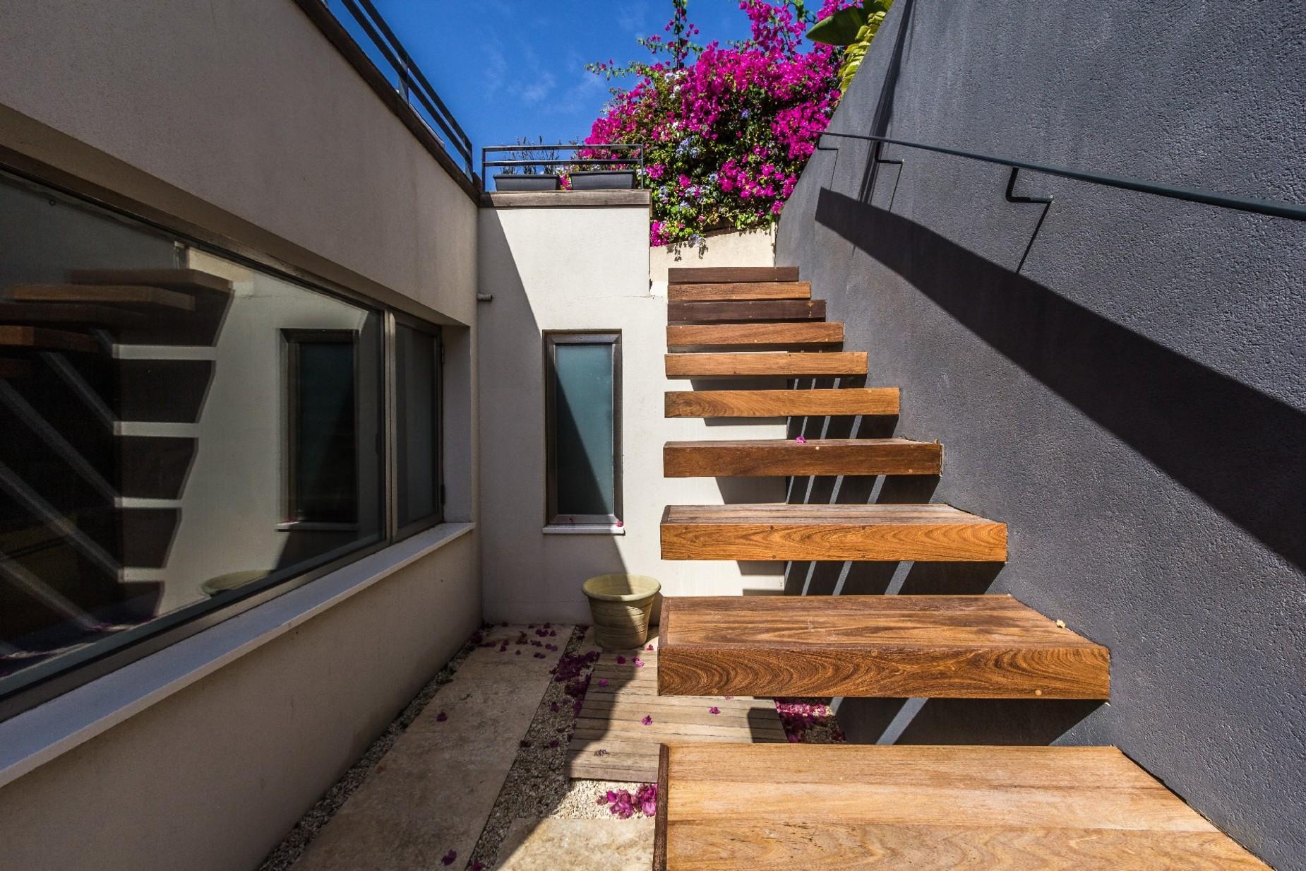 7 bed Villa For Sale in Bahar ic-Caghaq, Bahar ic-Caghaq - thumb 30