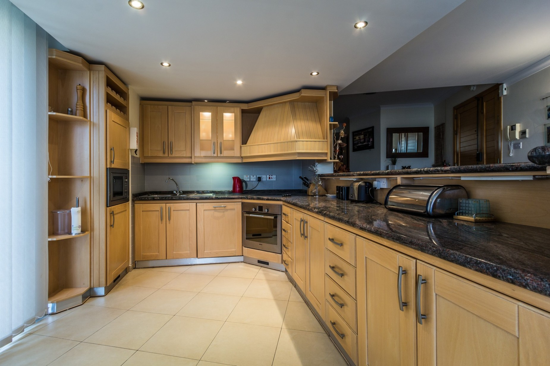 4 bed Apartment For Rent in St Julian's, St Julian's - thumb 4