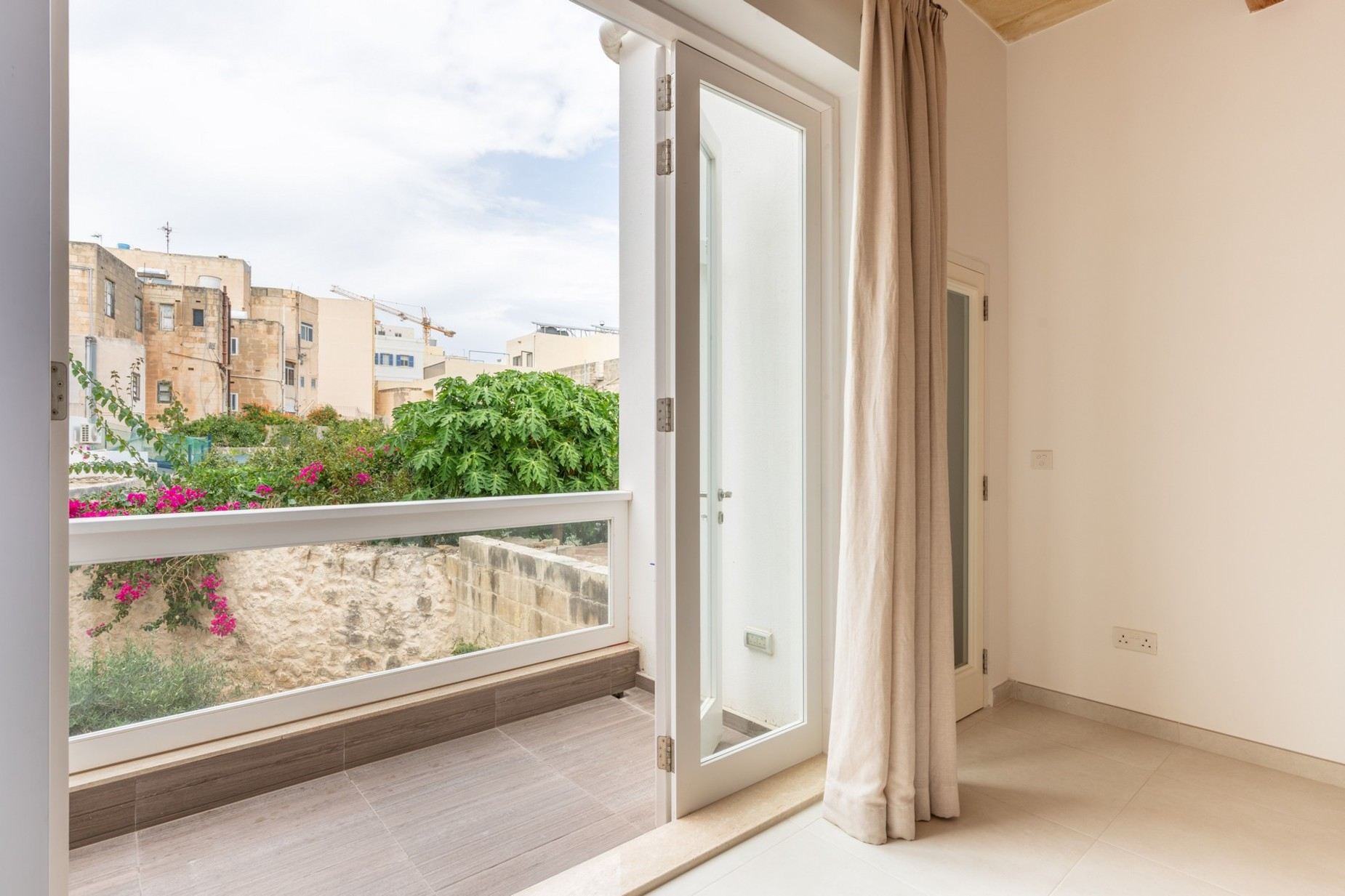 3 bed Town House For Rent in Sliema, Sliema - thumb 10