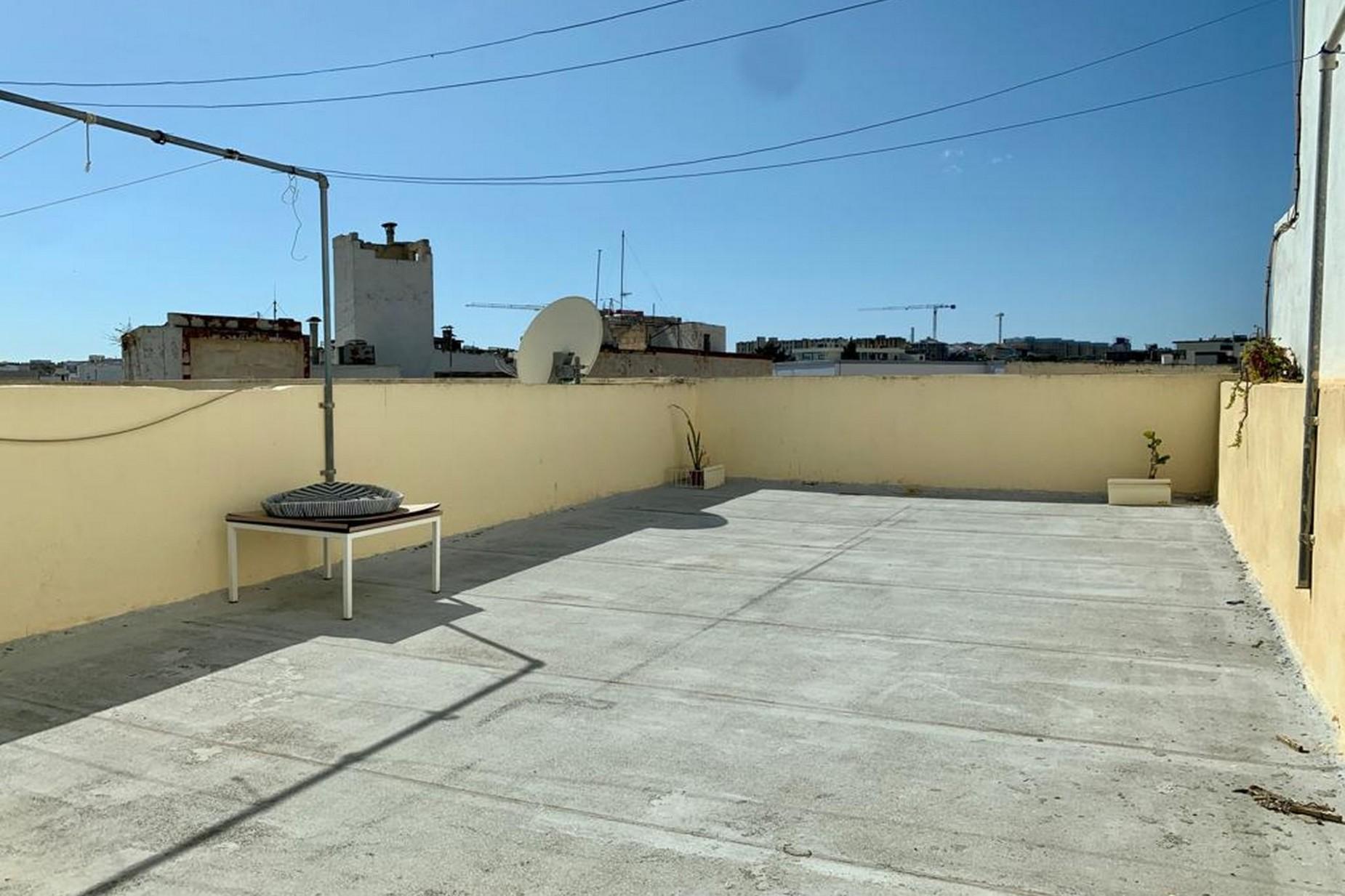 2 bed Maisonette For Rent in Gzira, Gzira - thumb 11