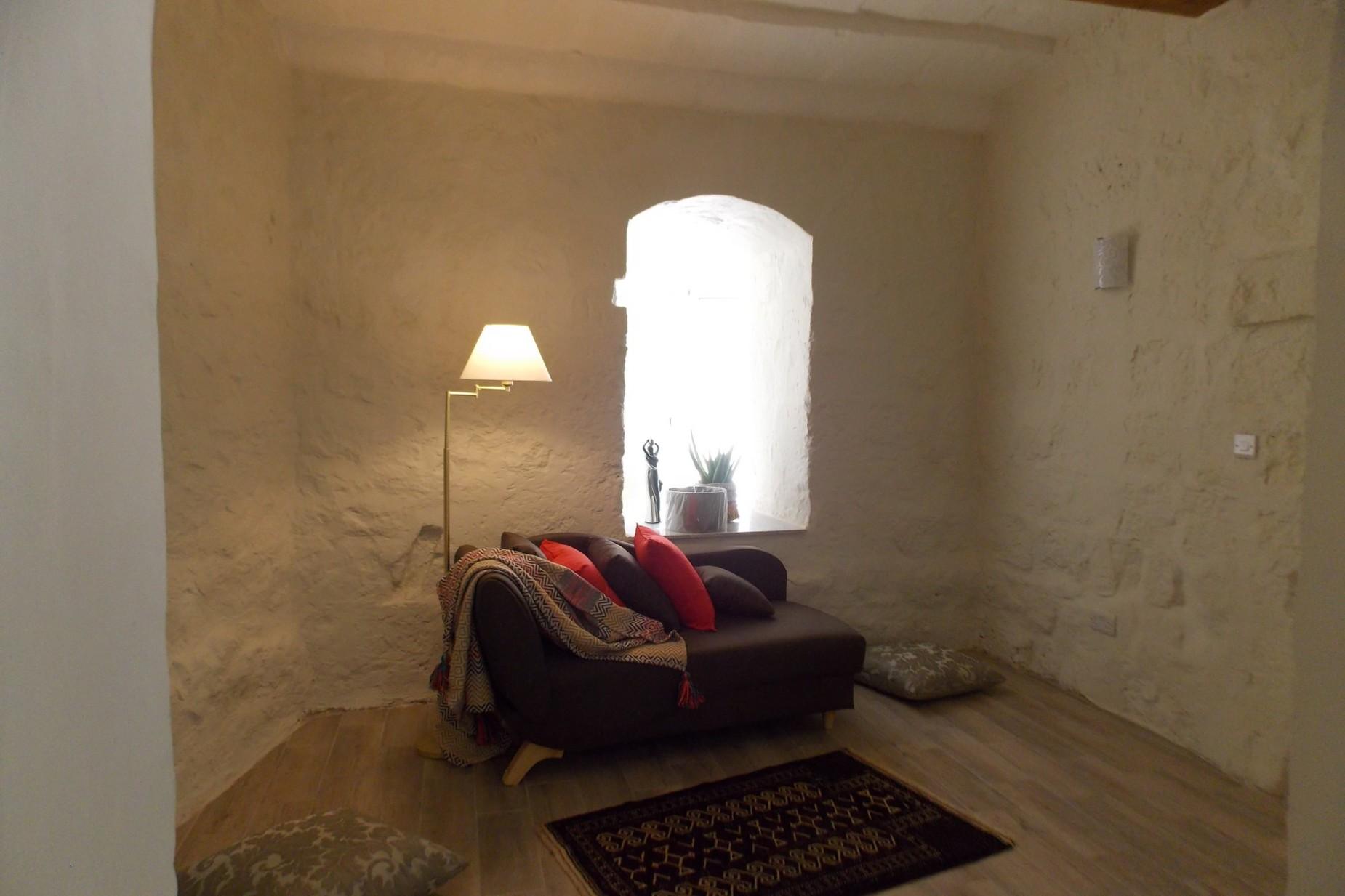 4 bed House of Character For Rent in Zebbug, Zebbug - thumb 9