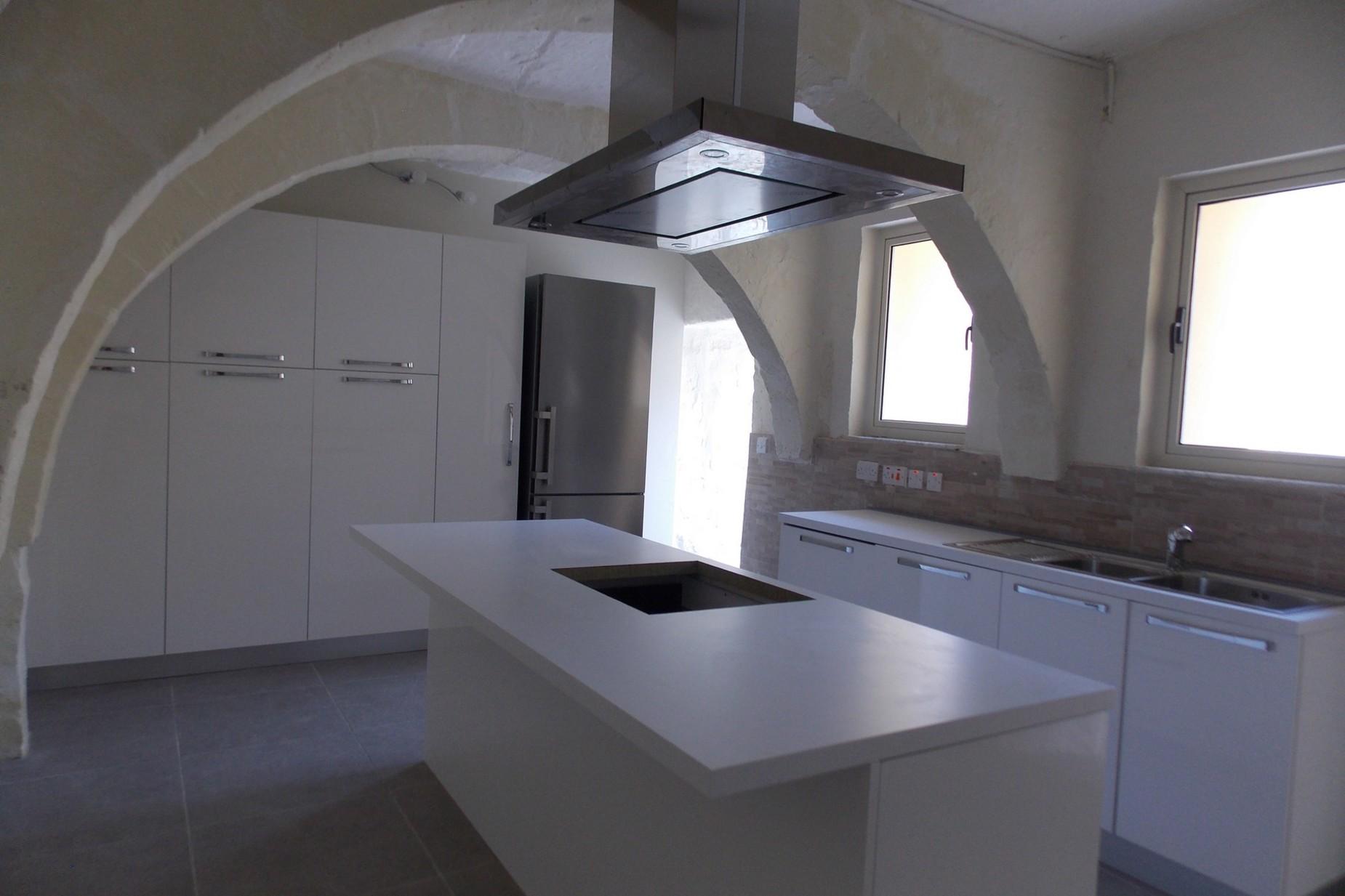 4 bed House of Character For Rent in Zebbug, Zebbug - thumb 2