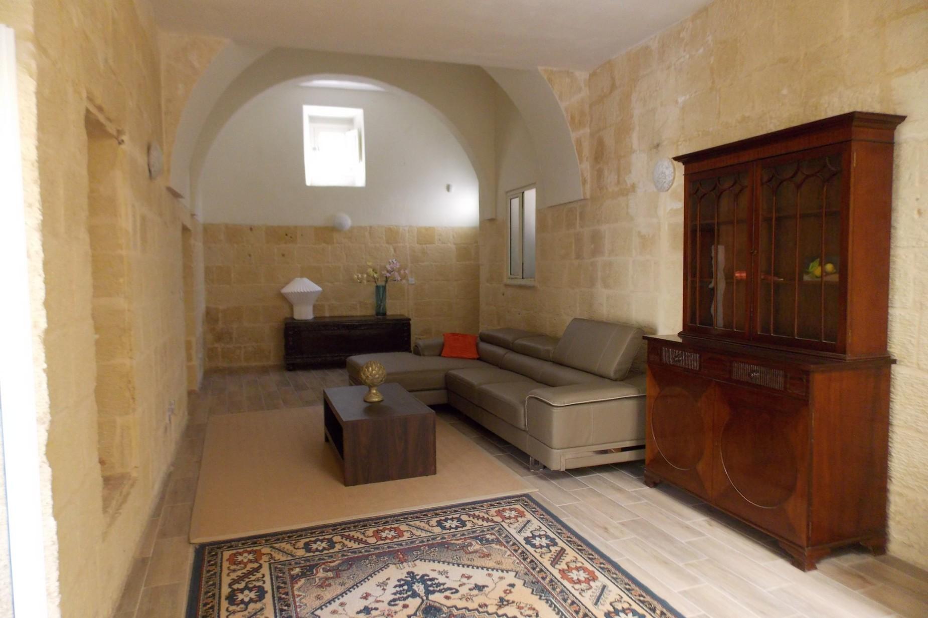 4 bed House of Character For Rent in Zebbug, Zebbug - thumb 10
