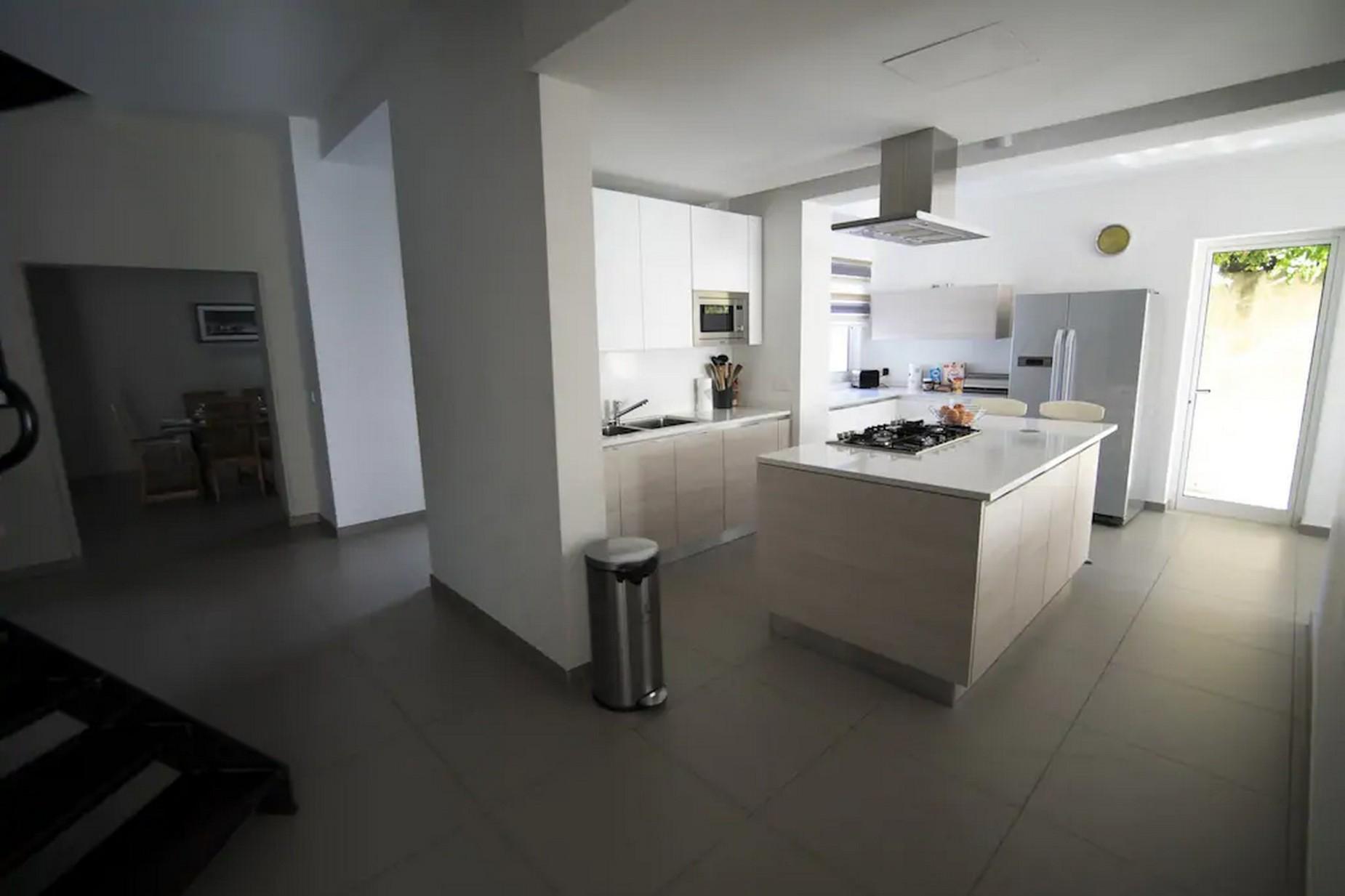 4 bed Villa For Rent in St Julian's, St Julian's - thumb 16