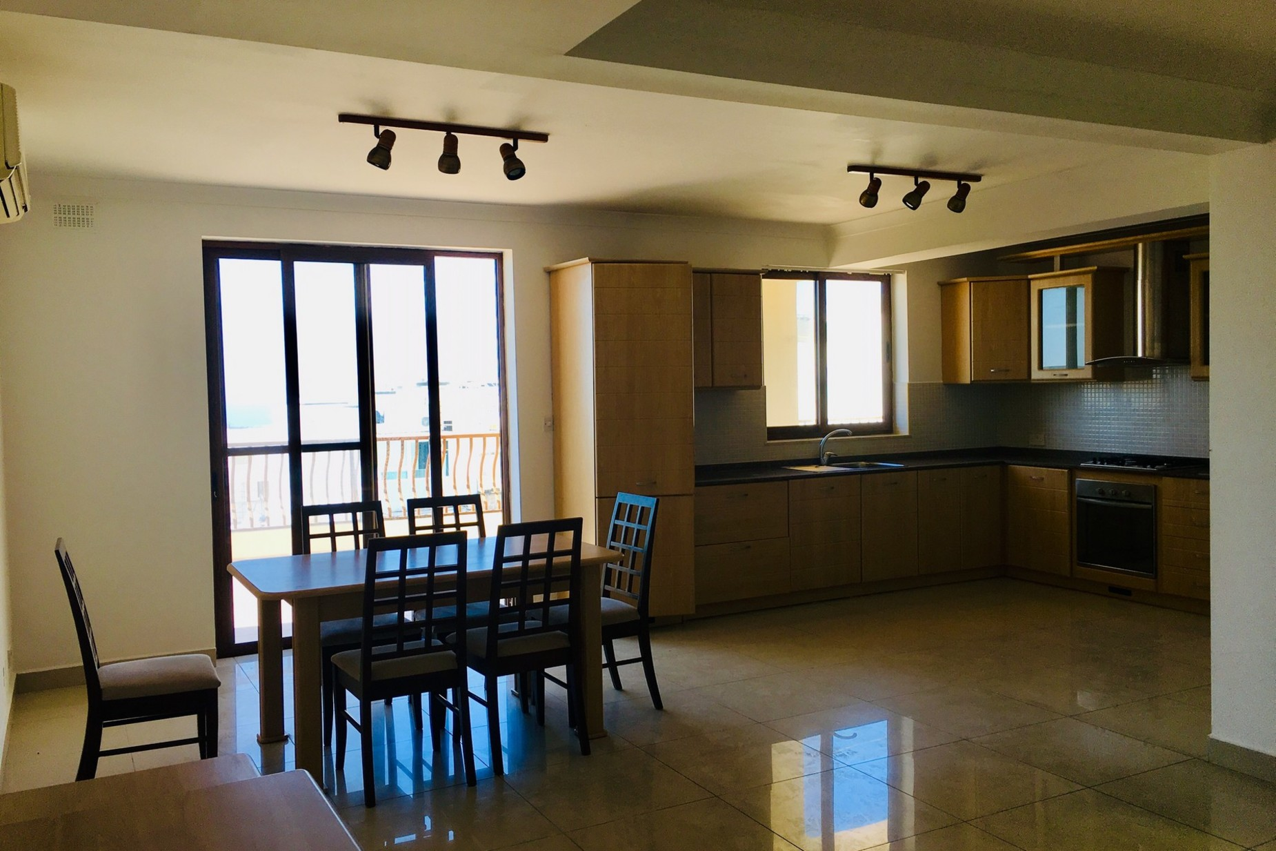 3 bed Apartment For Rent in Mellieha, Mellieha - thumb 2