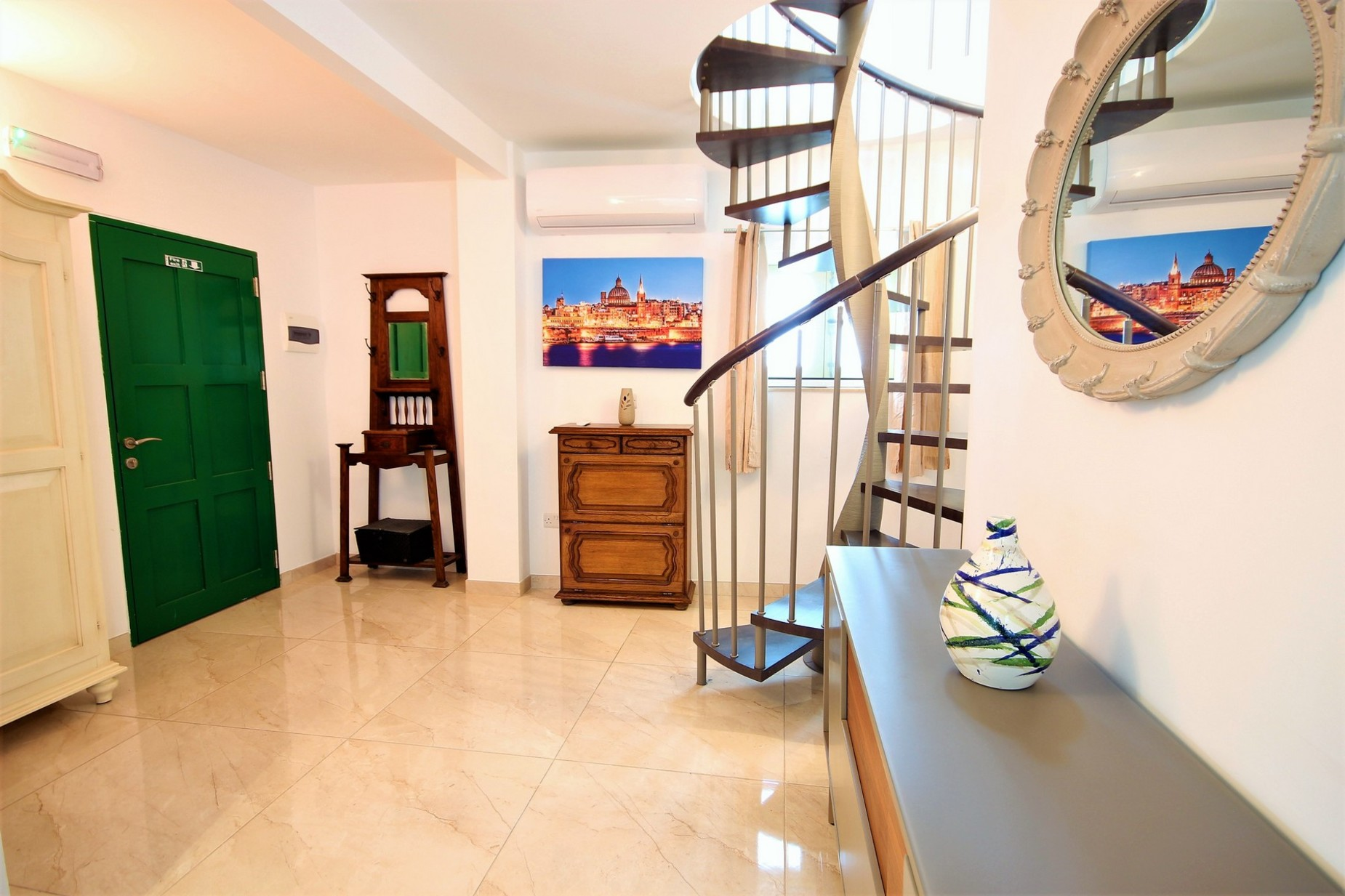 1 bed Penthouse For Rent in Valletta, Valletta - thumb 4