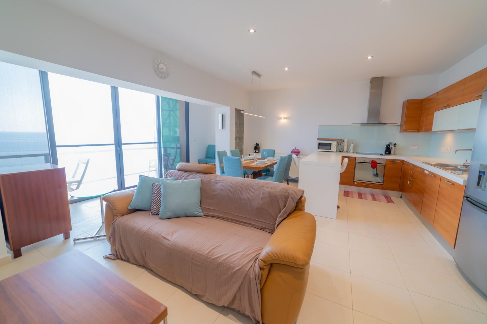 3 bed Apartment For Rent in Sliema, Sliema - thumb 3