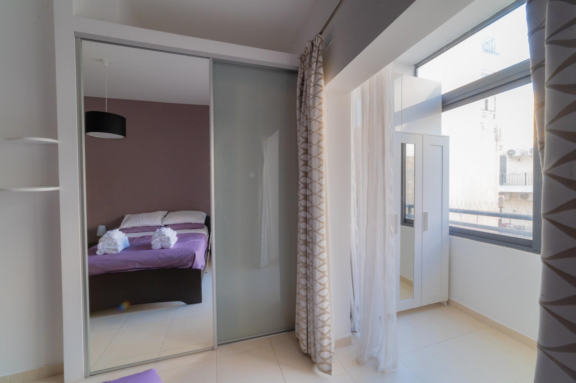 3 bed Apartment For Rent in Sliema, Sliema - thumb 7
