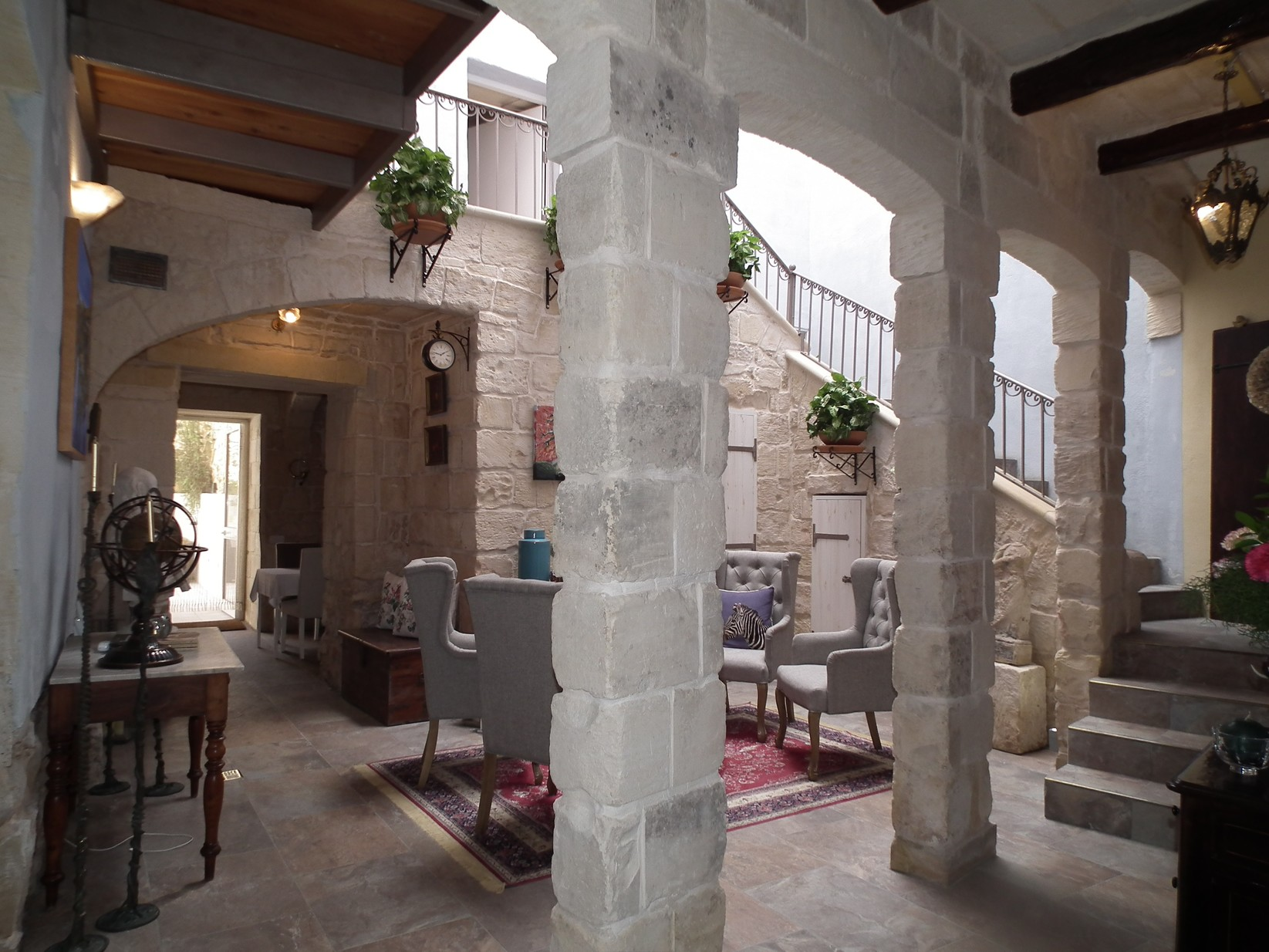 6 bed House of Character For Sale in Naxxar, Naxxar - thumb 2