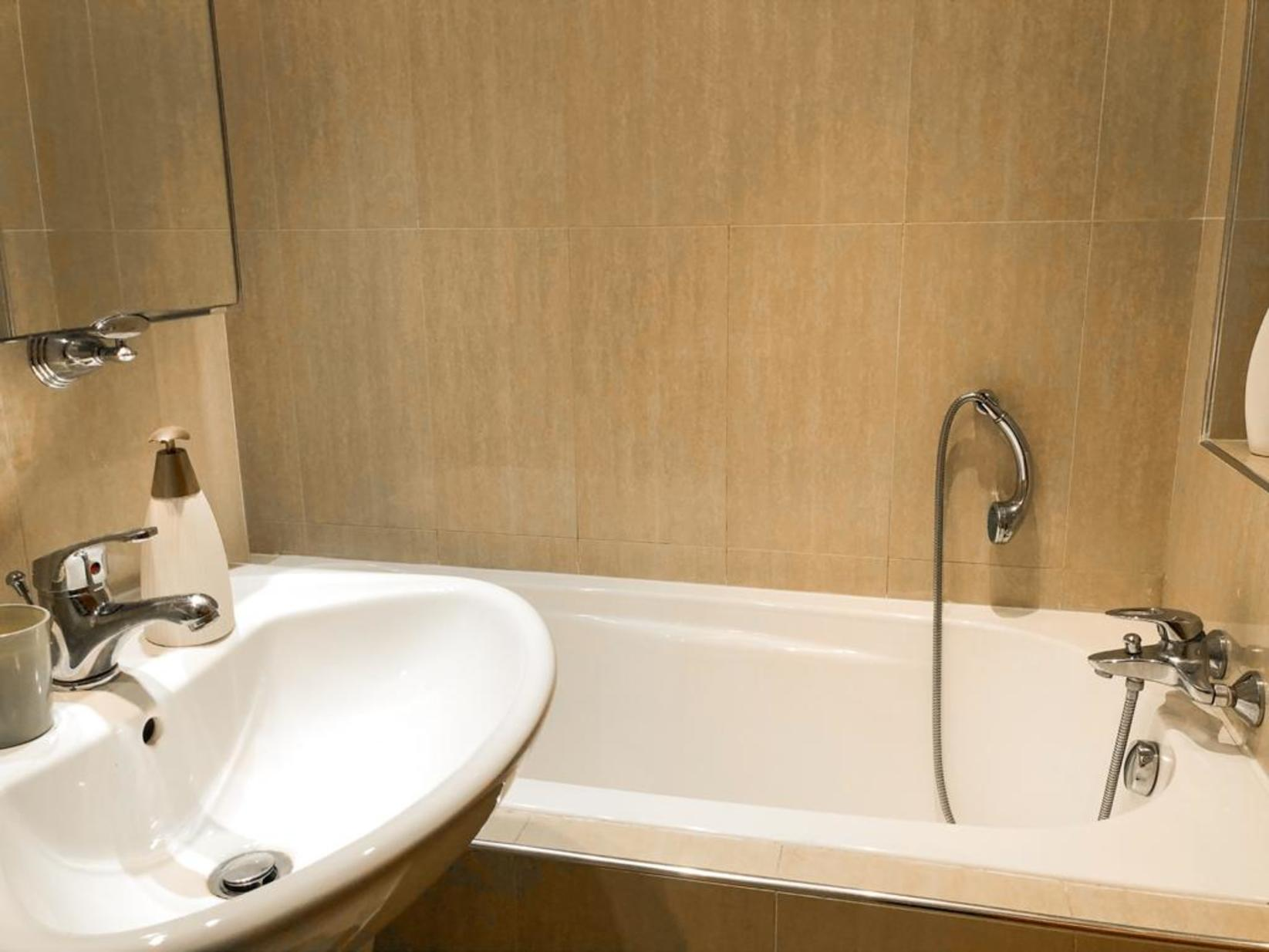 3 bed Apartment For Rent in St Julian's, St Julian's - thumb 18