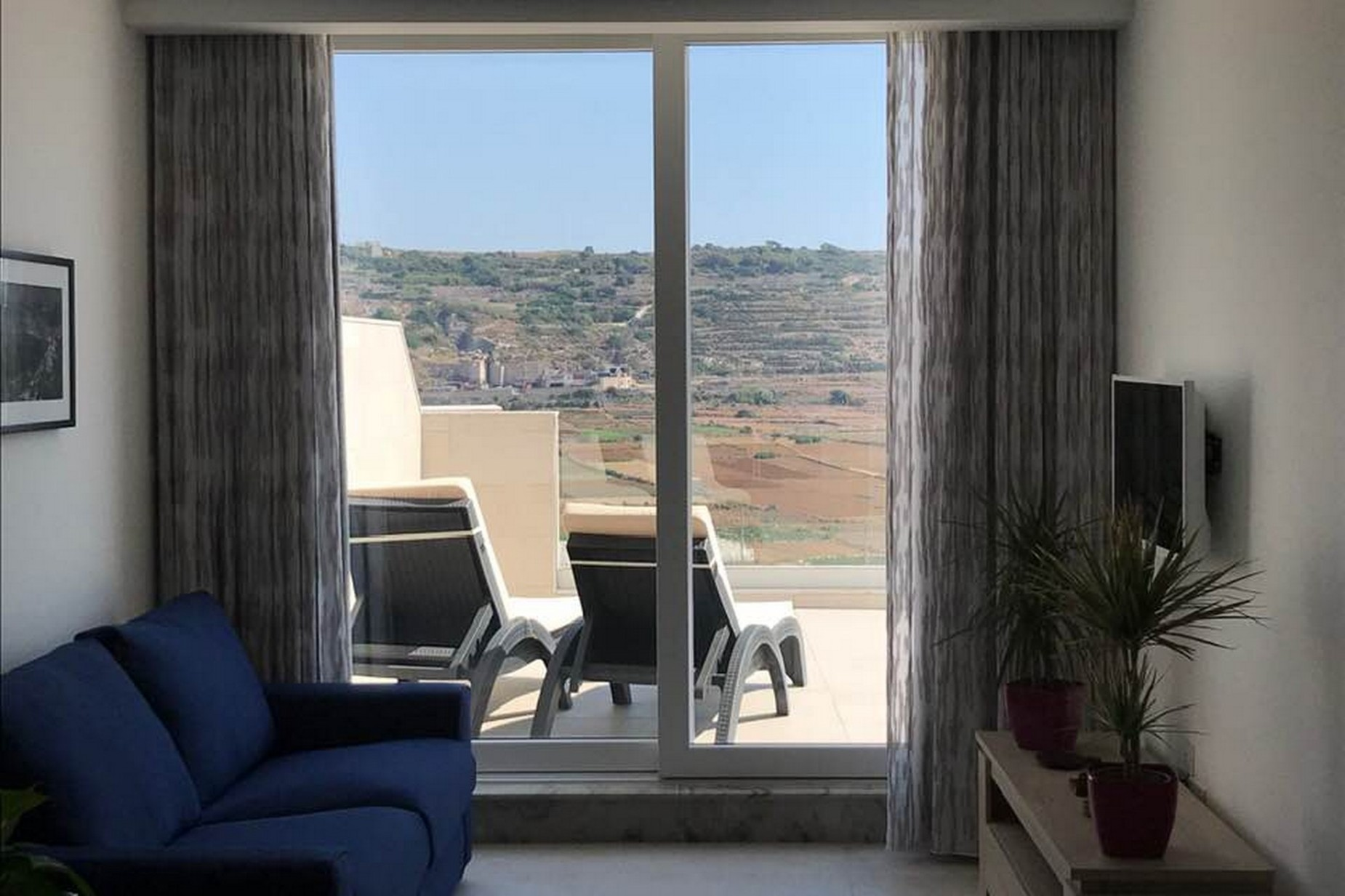 3 bed Penthouse For Rent in Mellieha, Mellieha - thumb 2