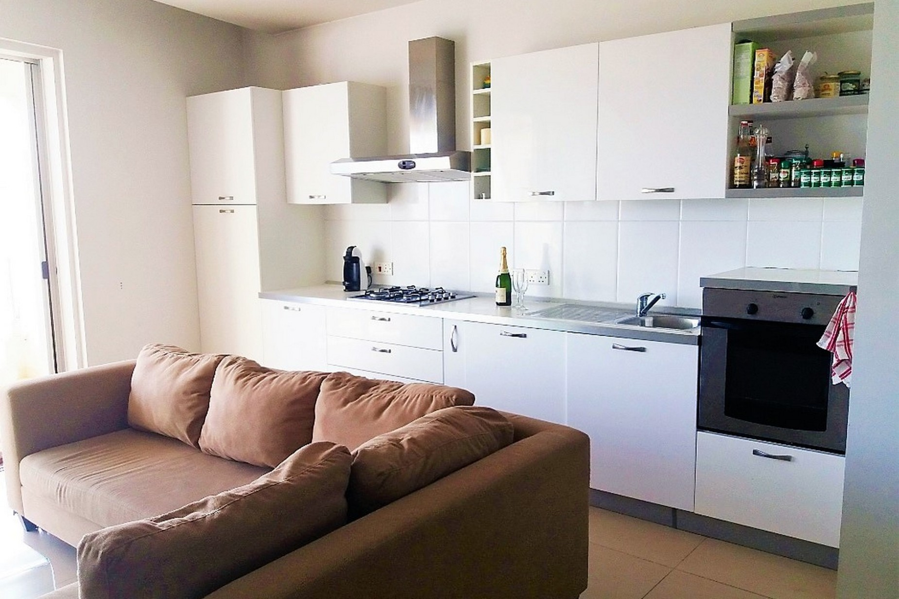 2 bed Apartment For Rent in St Julian's, St Julian's - thumb 3