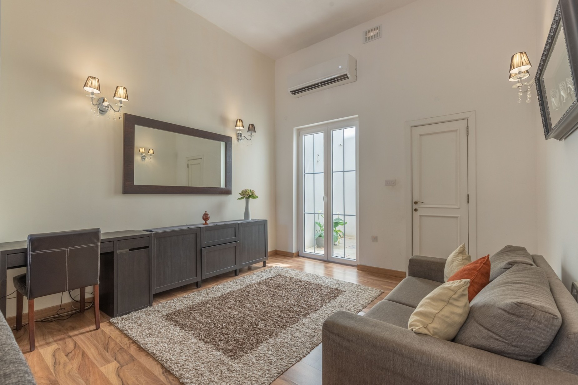 5 bed Town House For Rent in Sliema, Sliema - thumb 6