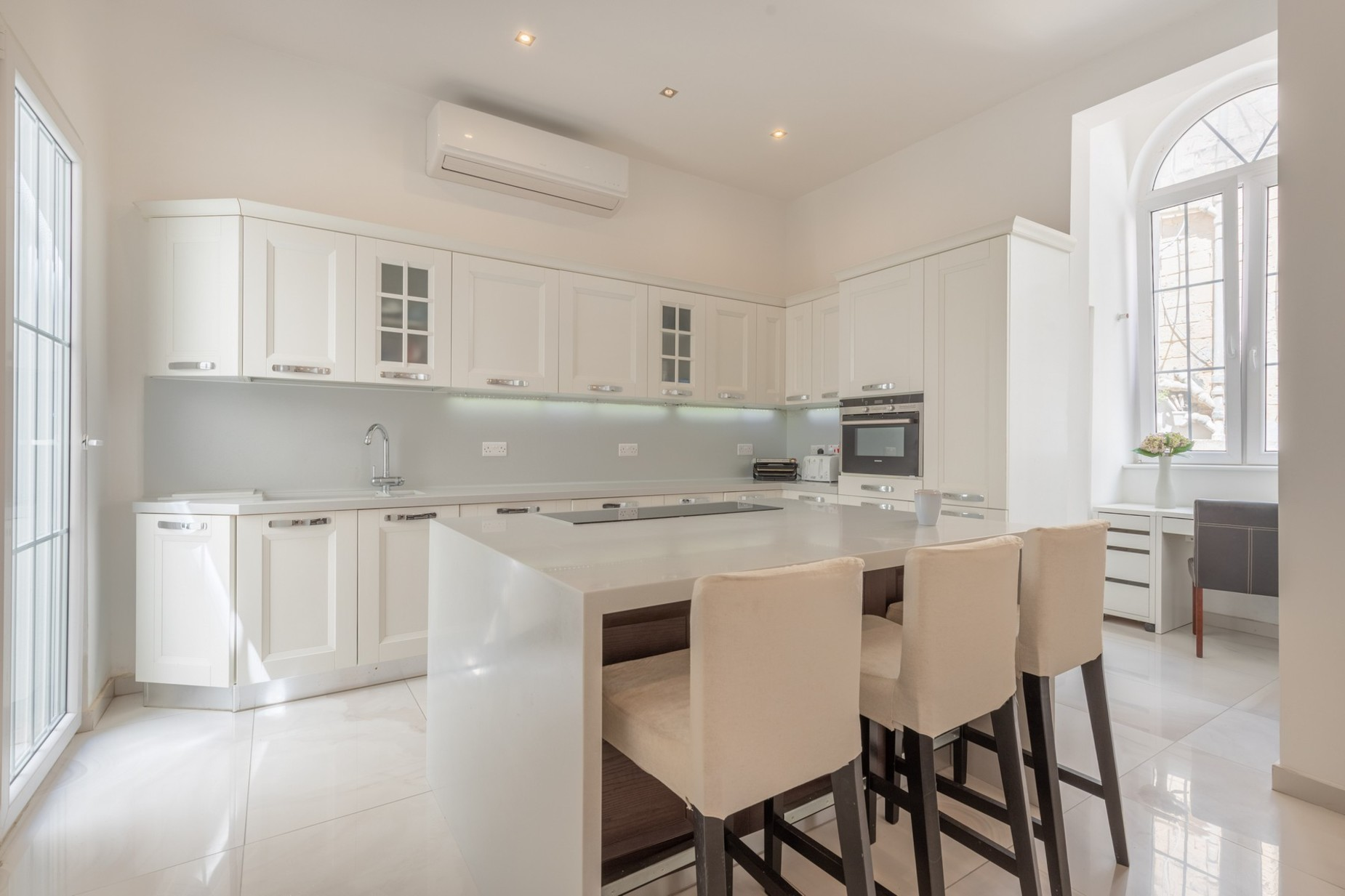 5 bed Town House For Rent in Sliema, Sliema - thumb 9