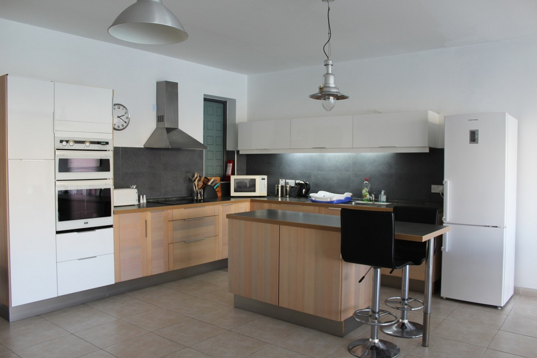 3 bed Apartment For Rent in St Paul's Bay, St Paul's Bay - thumb 4