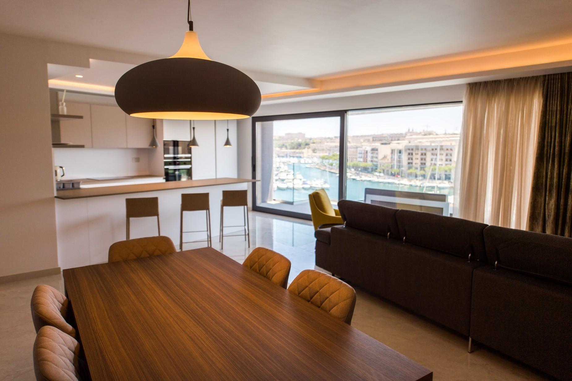 3 bed Apartment For Rent in Ta' Xbiex, Ta' Xbiex - thumb 5