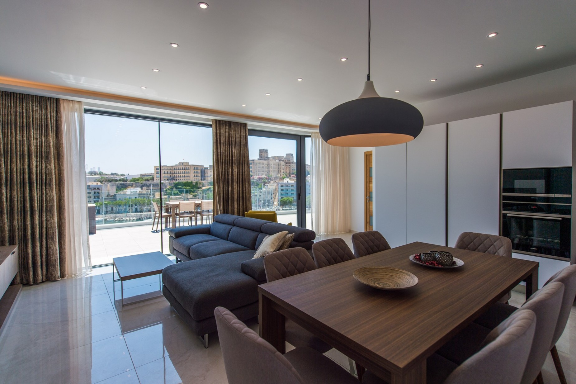 2 bed Penthouse For Rent in Ta' Xbiex, Ta' Xbiex - thumb 5