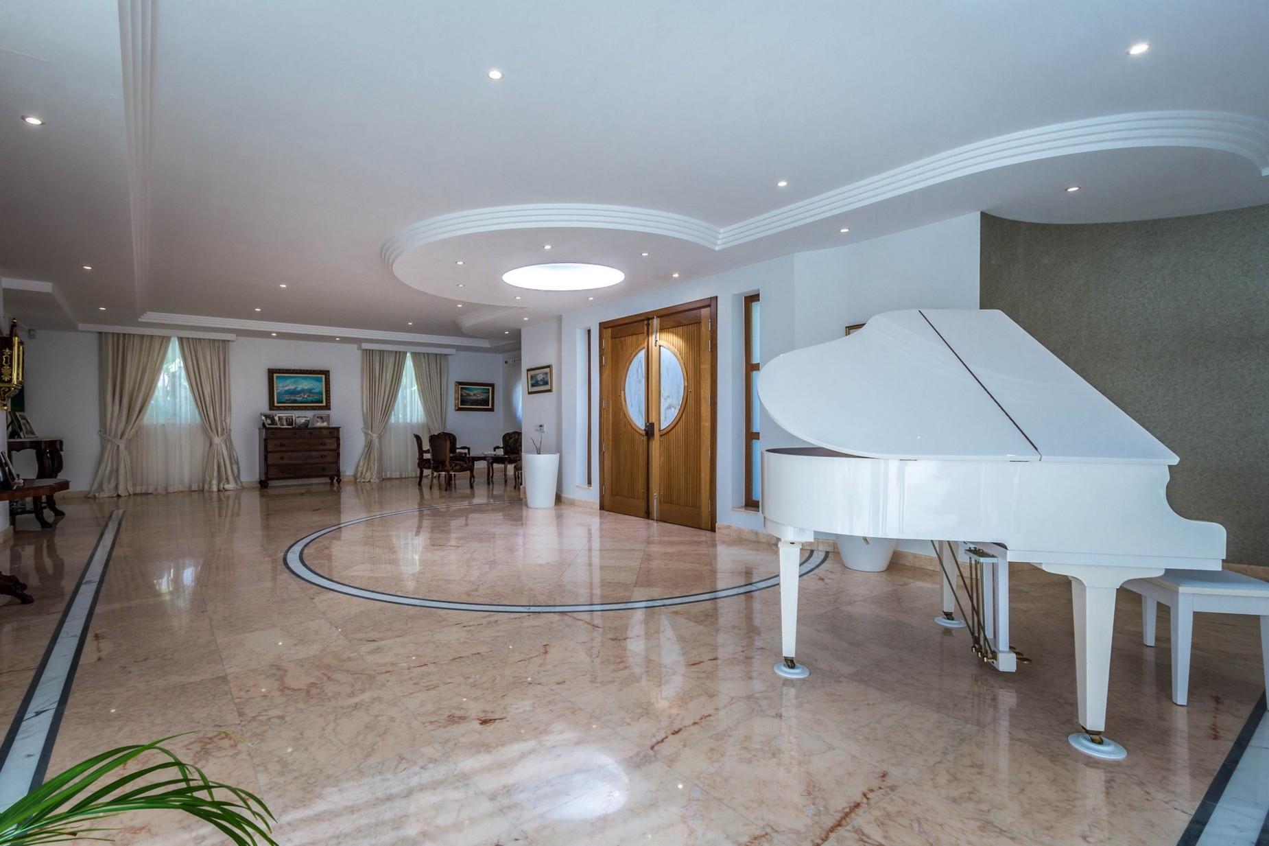 4 bed Villa For Rent in Marsascala, Marsascala - thumb 9
