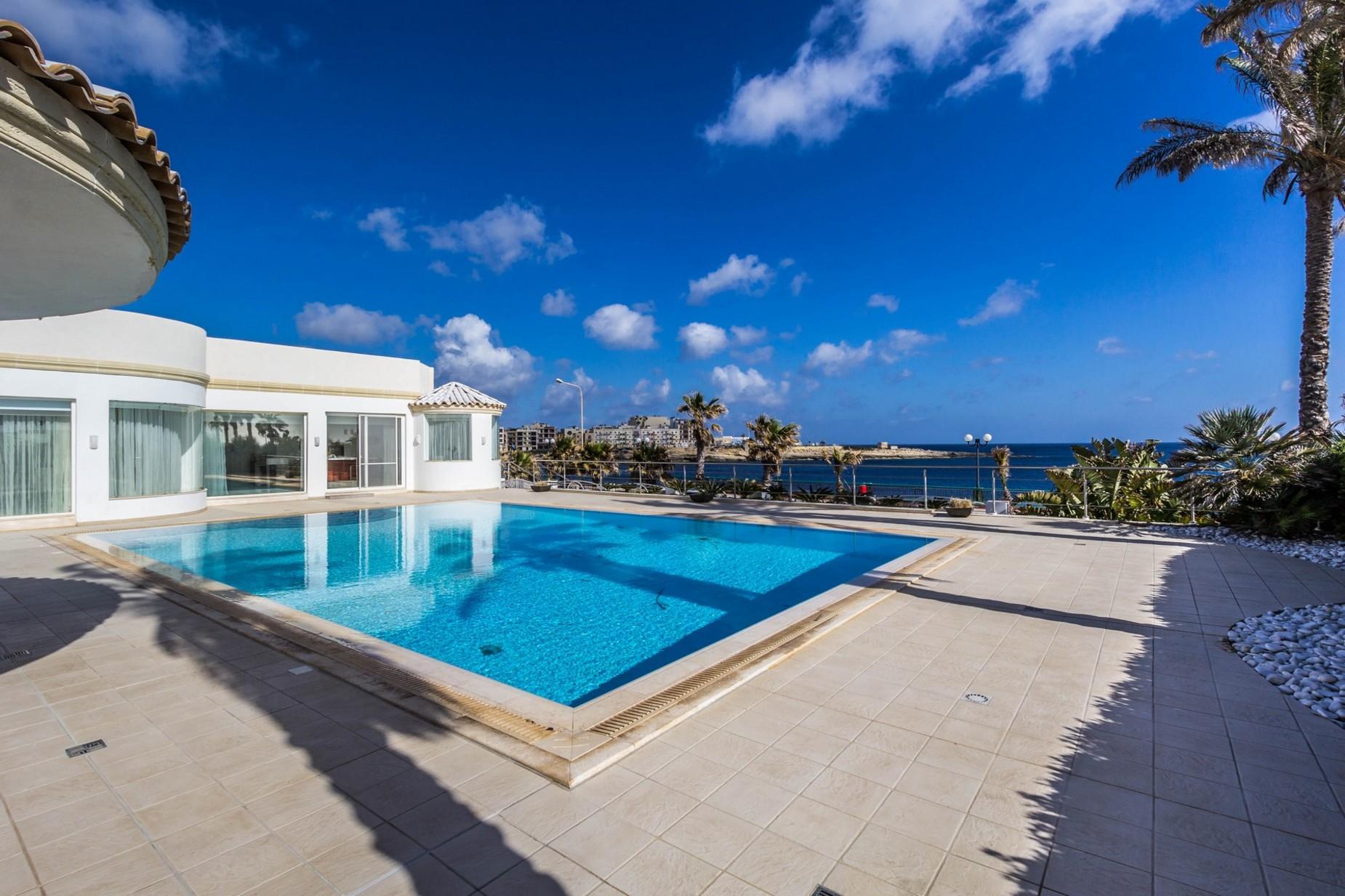 4 bed Villa For Rent in Marsascala, Marsascala - thumb 2