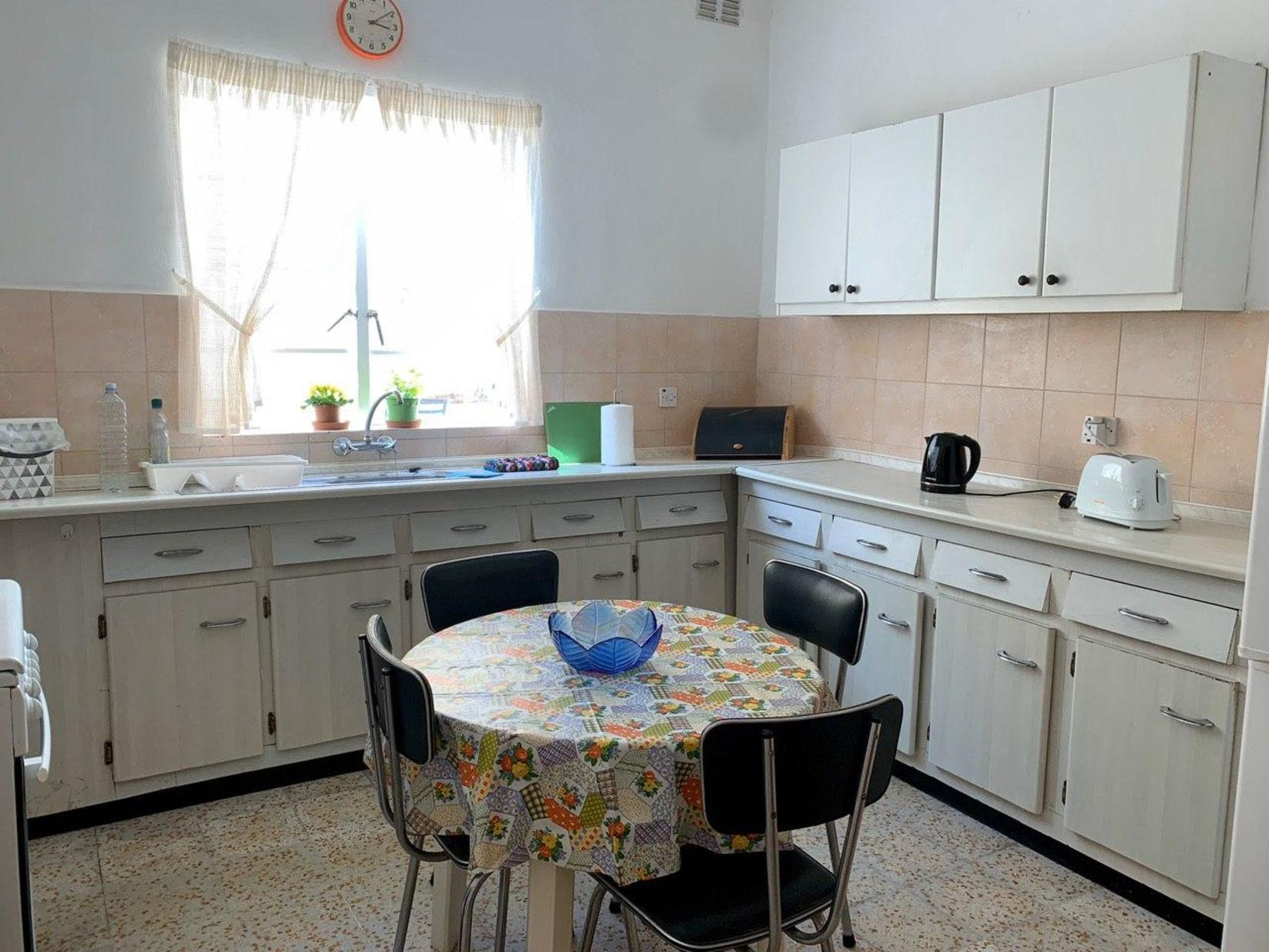 3 bed Terraced House For Rent in Bahar ic-Caghaq, Bahar ic-Caghaq - thumb 4