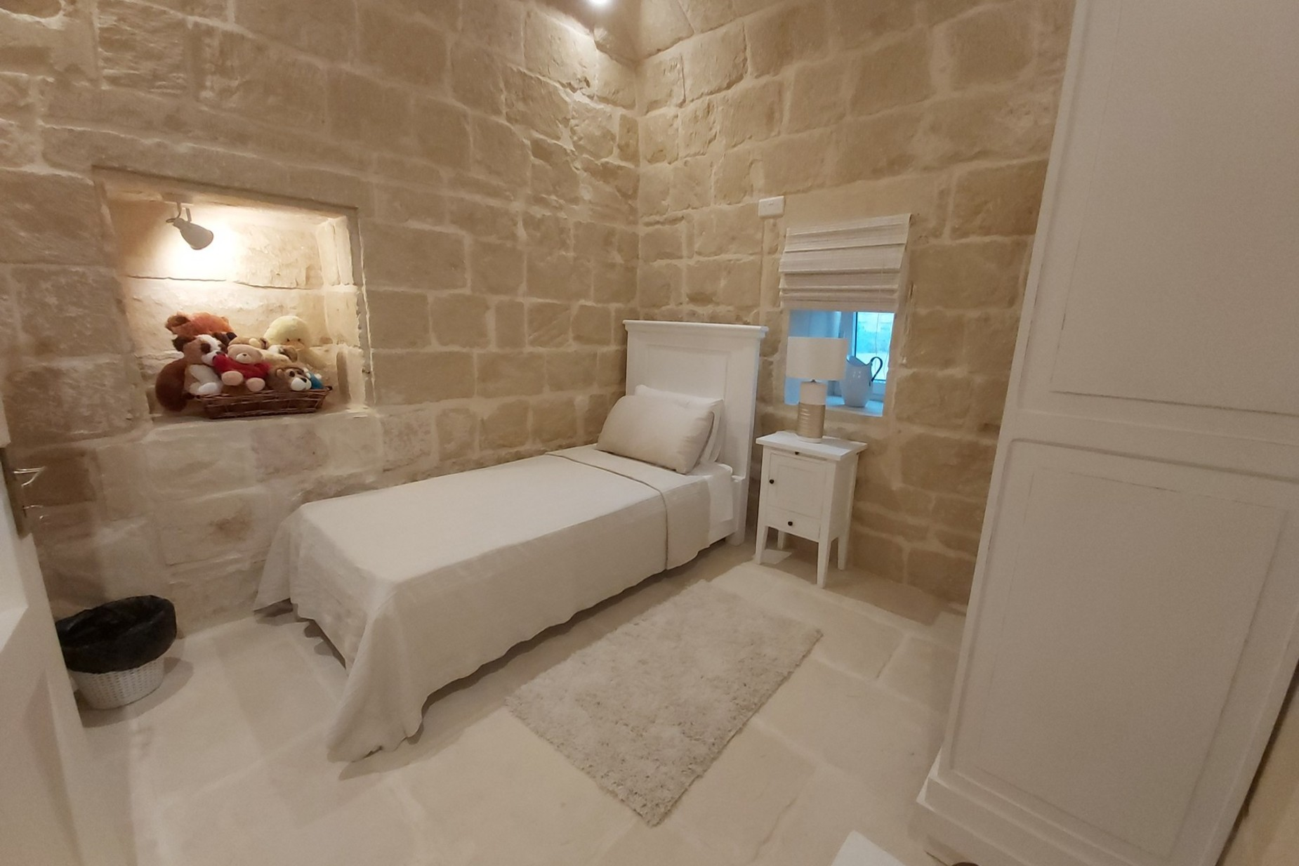 5 bed Farmhouse For Sale in Gharb, Gharb - thumb 12