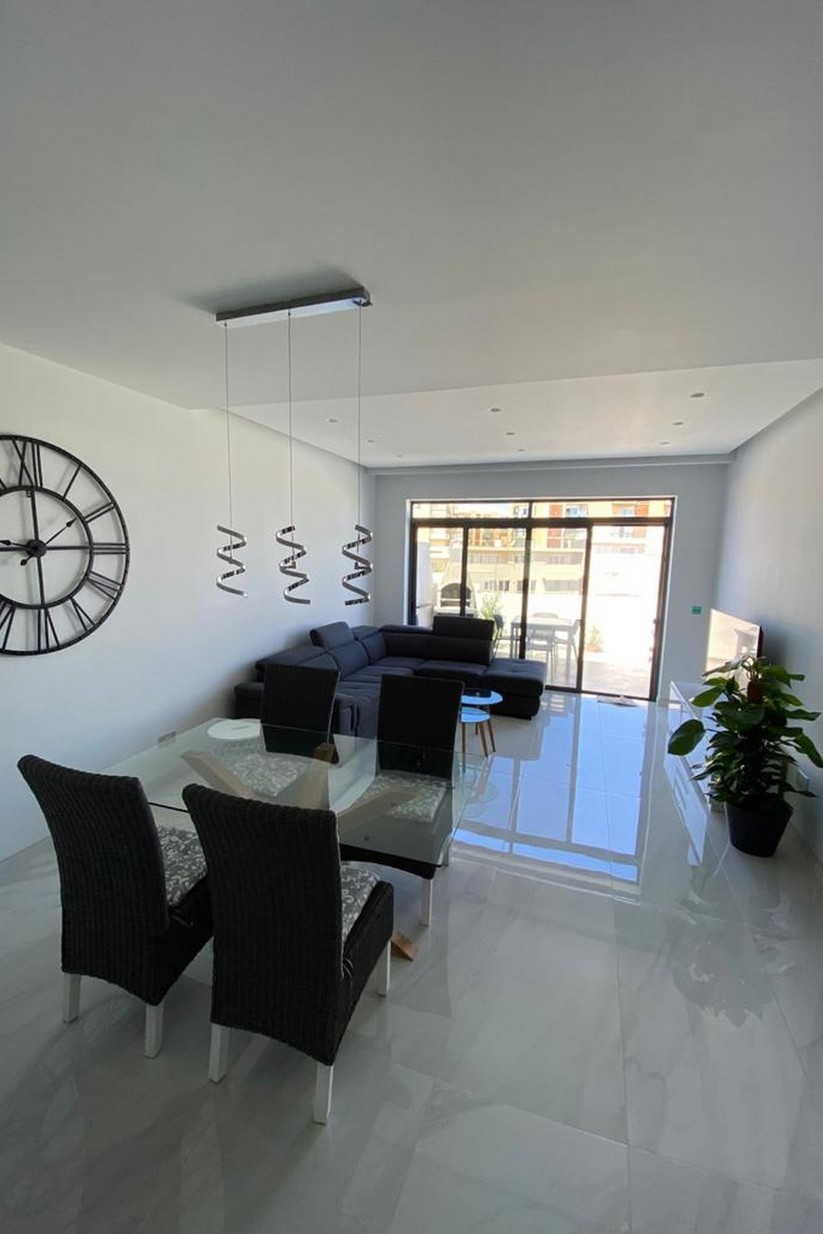 1 bed Penthouse For Rent in St Julian's, St Julian's - thumb 2