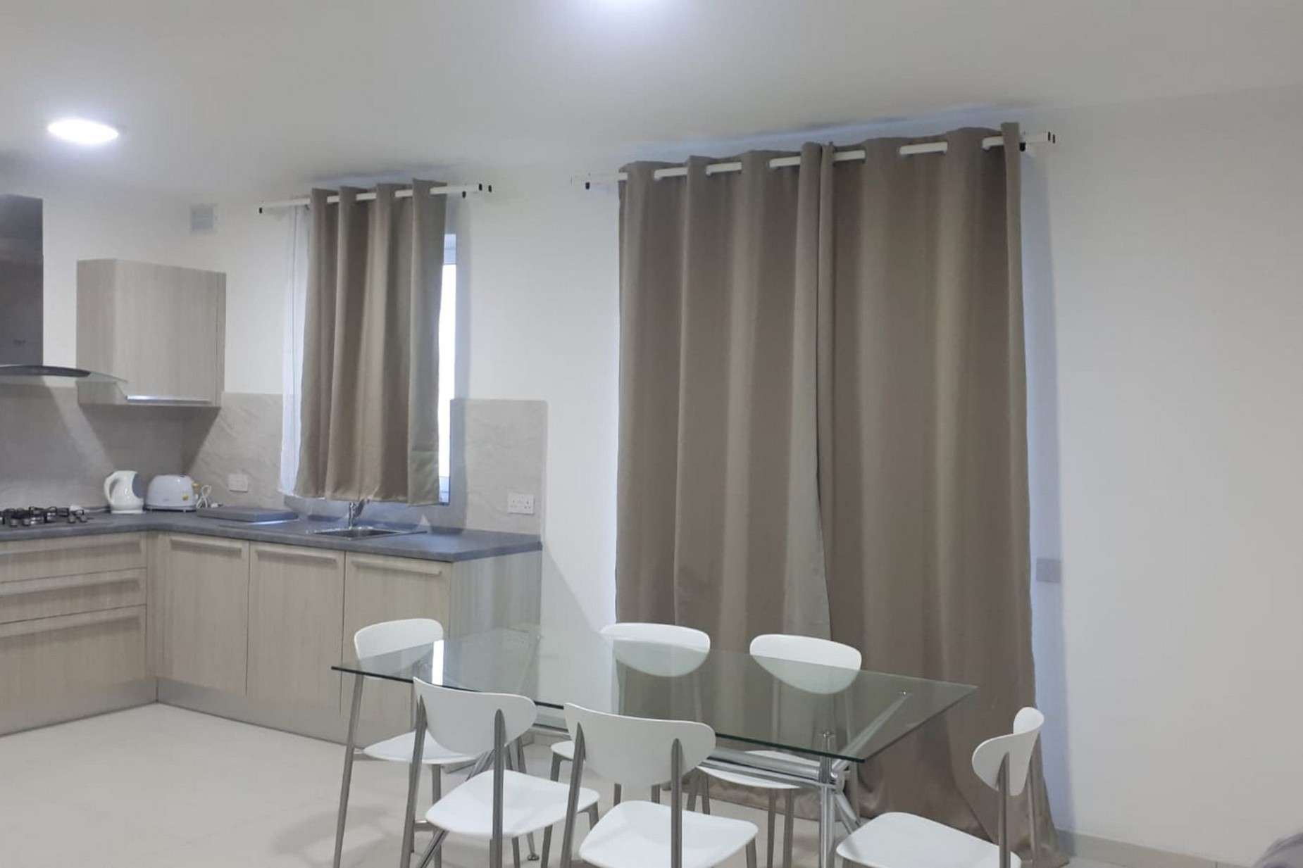 3 bed Apartment For Rent in Rabat, Rabat - thumb 2