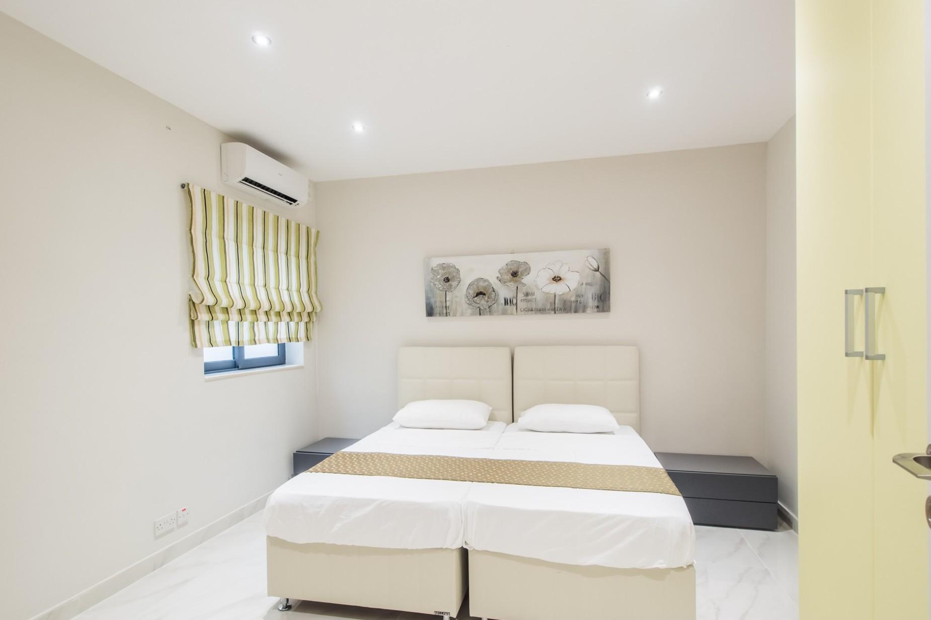 2 bed Apartment For Rent in Xemxija, Xemxija - thumb 15