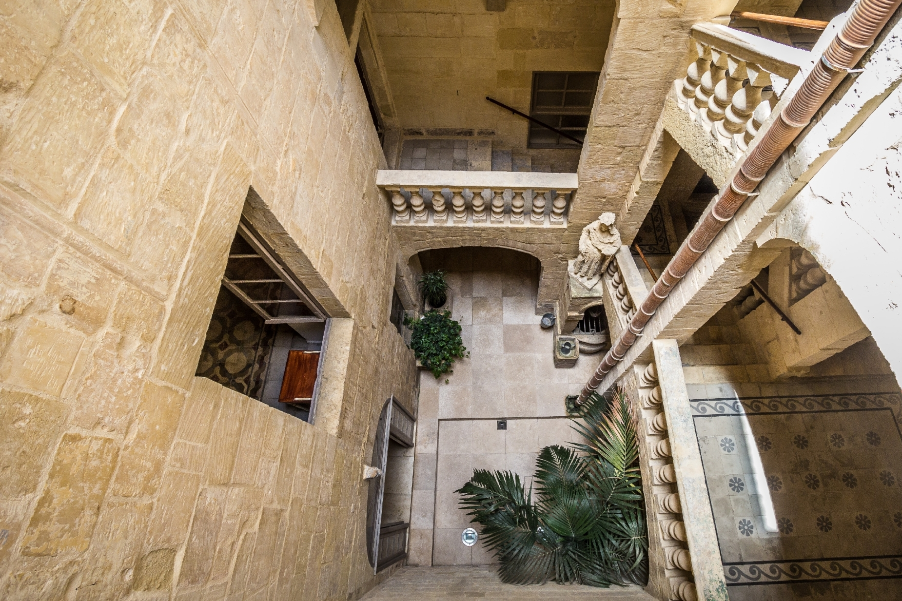 6 bed Palazzo For Rent in Valletta, Valletta - thumb 12