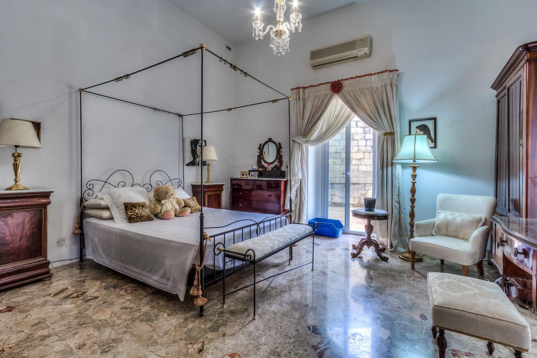 5 bed Palazzo For Rent in Sliema, Sliema - thumb 8
