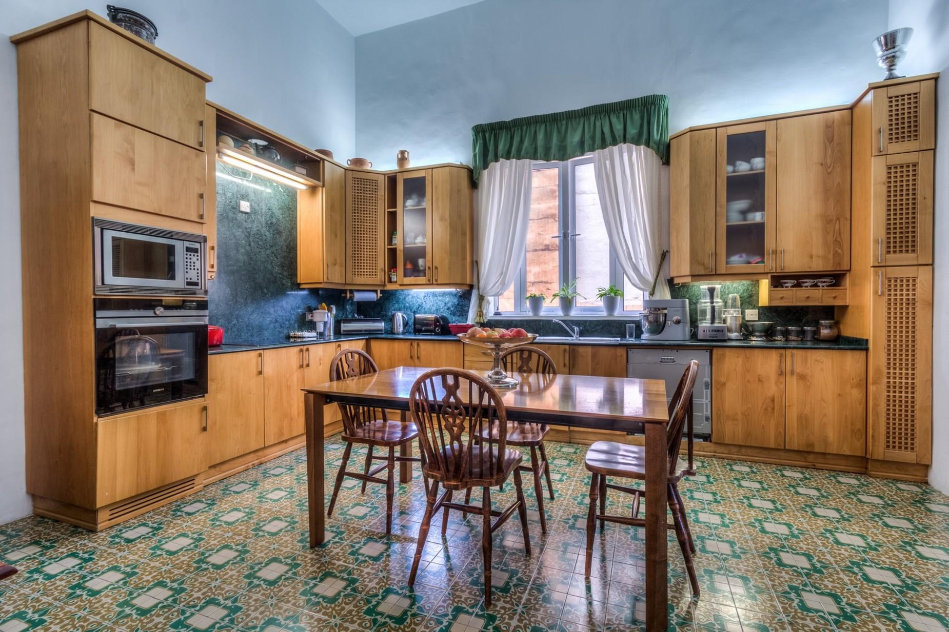 5 bed Palazzo For Rent in Sliema, Sliema - thumb 5