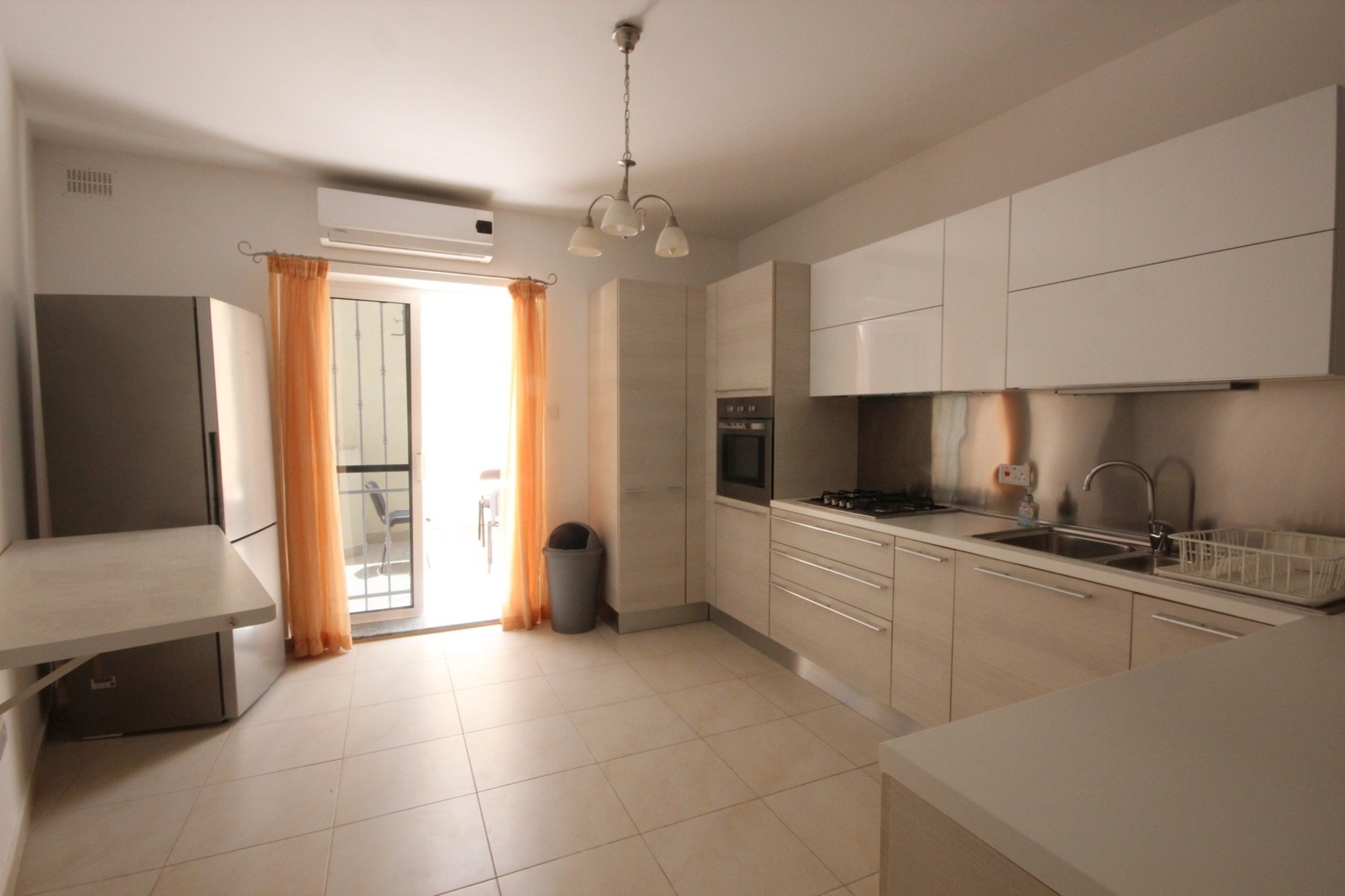 3 bed Maisonette For Rent in Sliema, Sliema - thumb 2