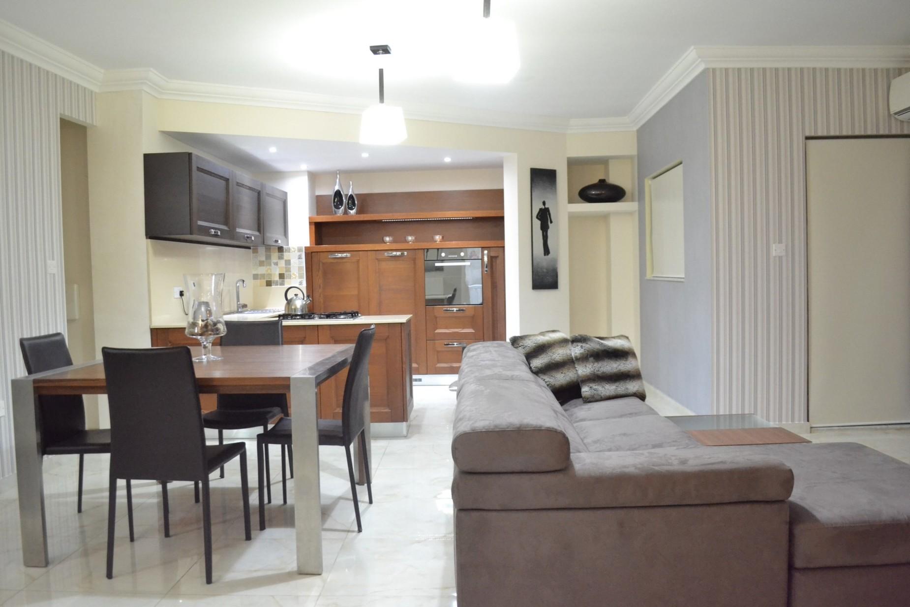 3 bed Maisonette For Rent in Sliema, Sliema - thumb 2