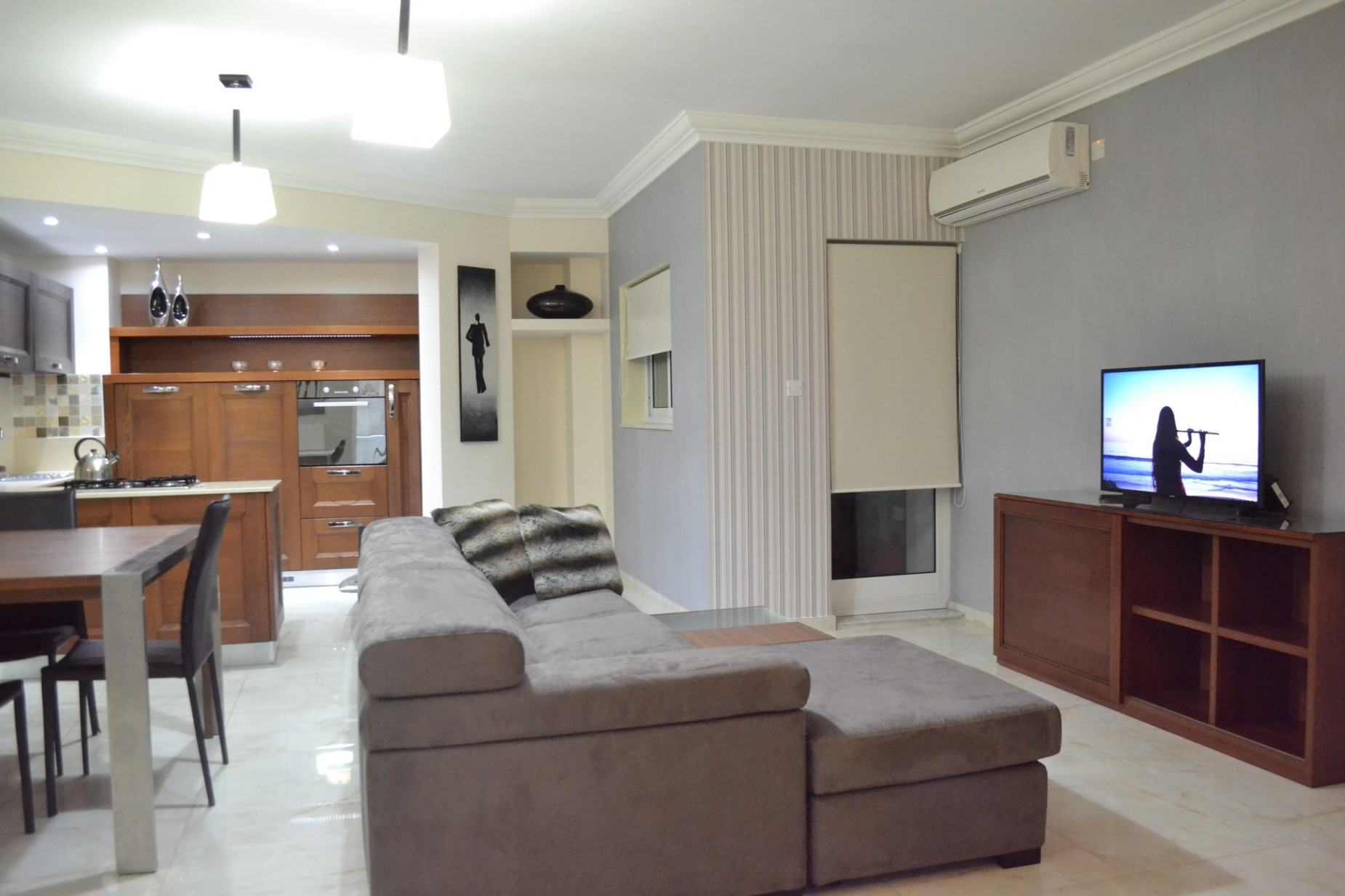 3 bed Maisonette For Rent in Sliema, Sliema - thumb 5
