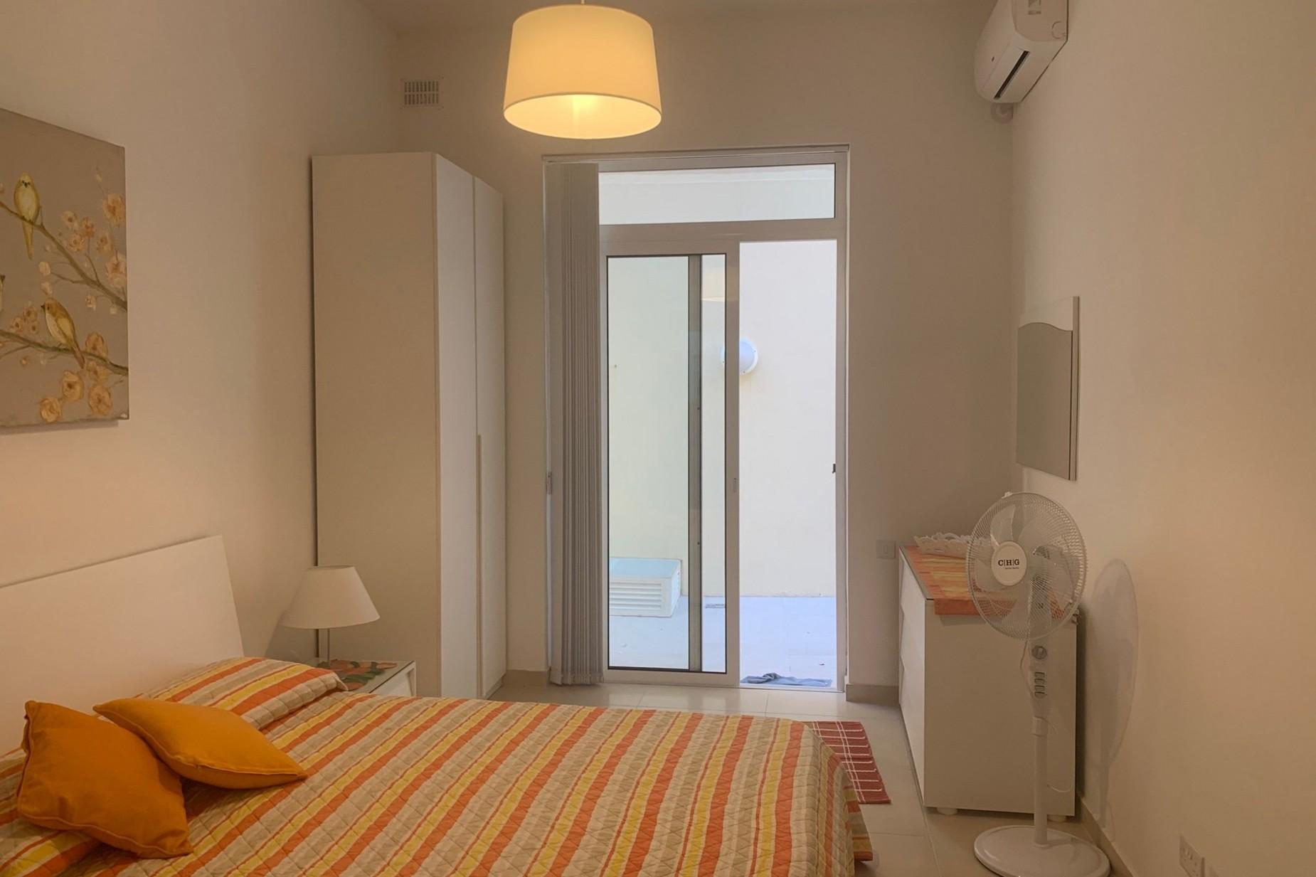 2 bed Maisonette For Rent in Sliema, Sliema - thumb 14