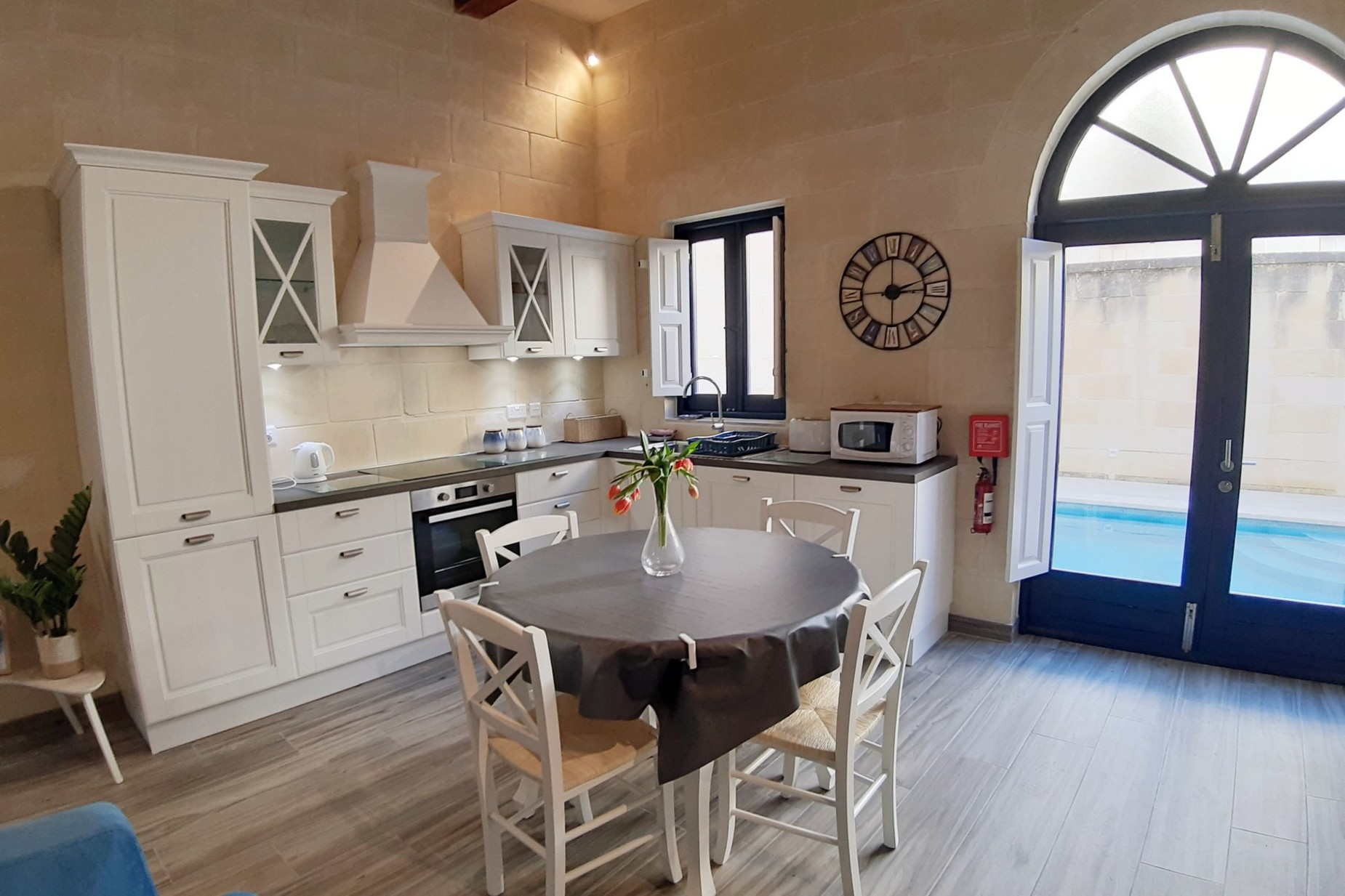 2 bed Town House For Rent in Xaghra, Xaghra - thumb 3