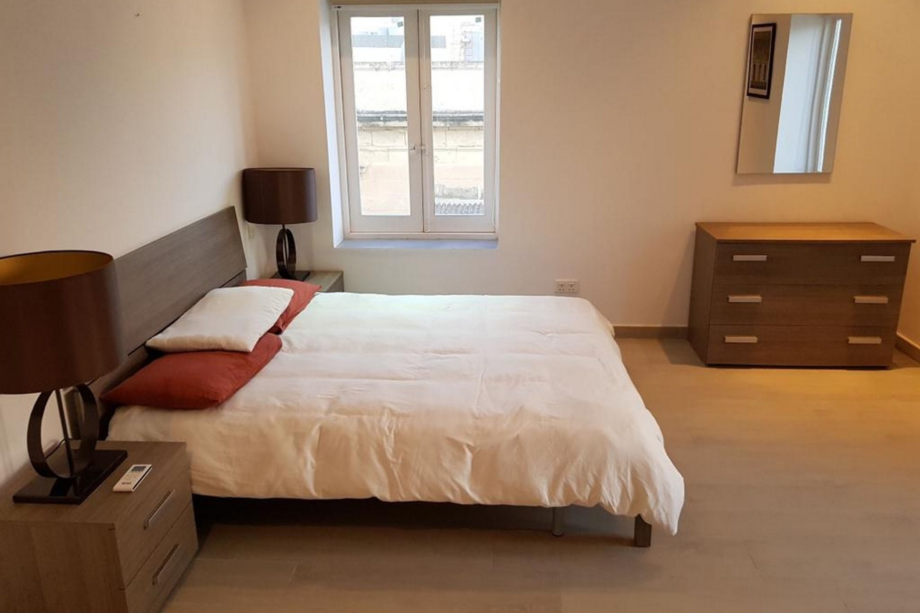 1 bed Apartment For Rent in Sliema, Sliema - thumb 7