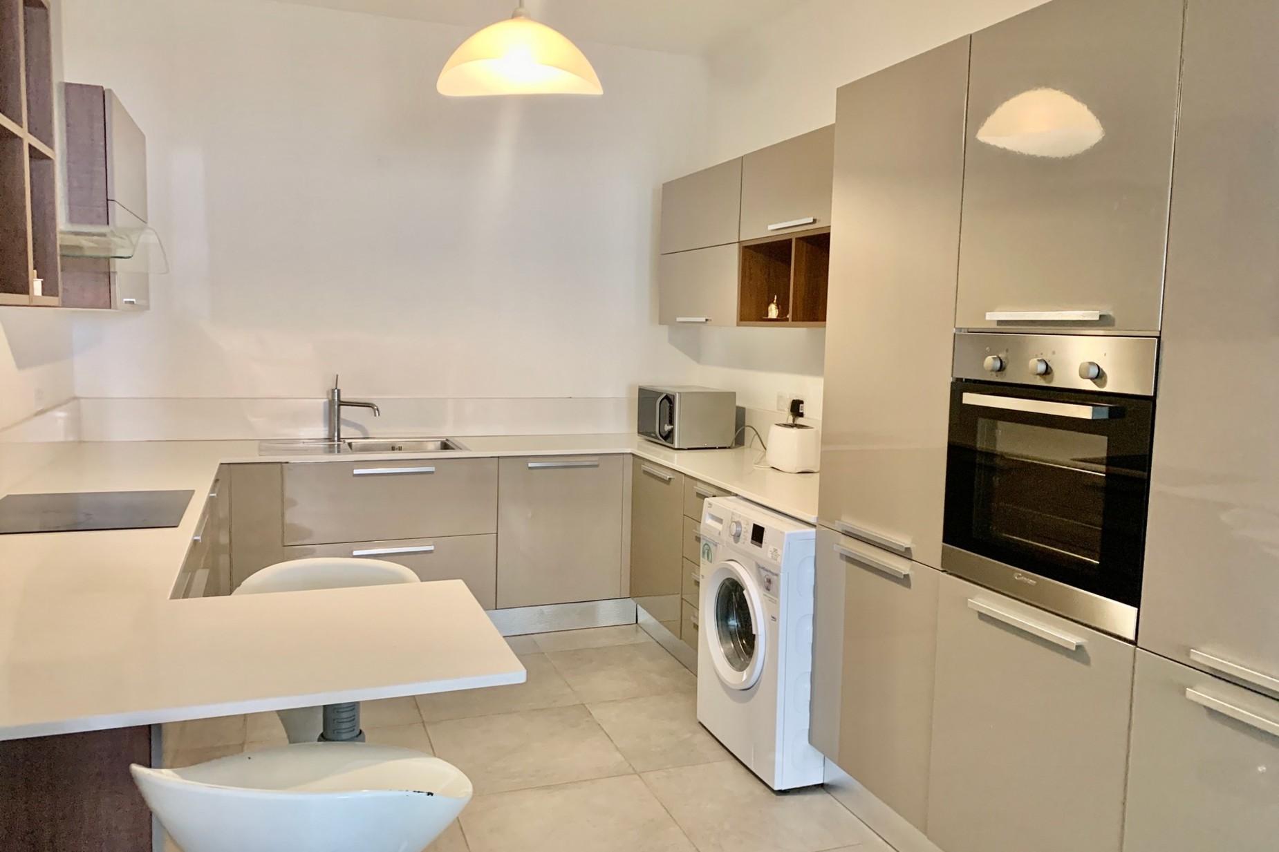 2 bed Apartment For Rent in Sliema, Sliema - thumb 10