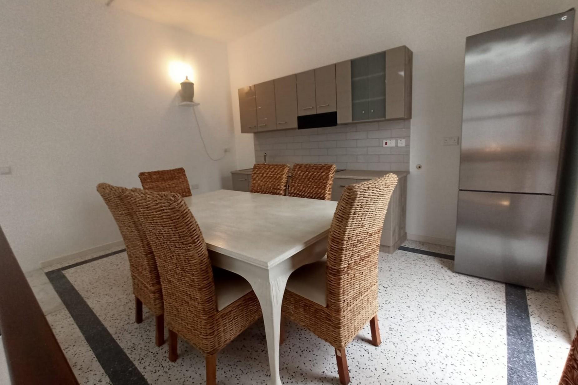3 bed Town House For Rent in Birkirkara, Birkirkara - thumb 4
